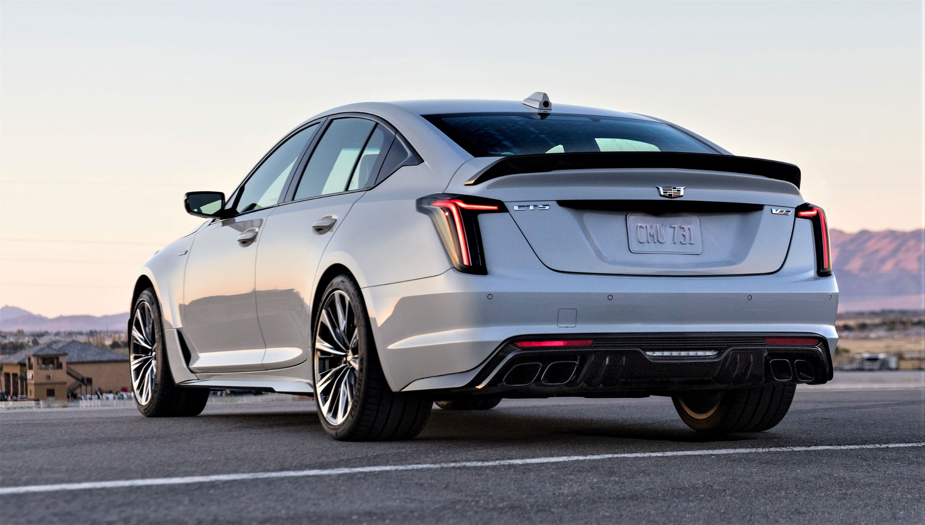 2022-Cadillac-CT5-V-Blackwing-002