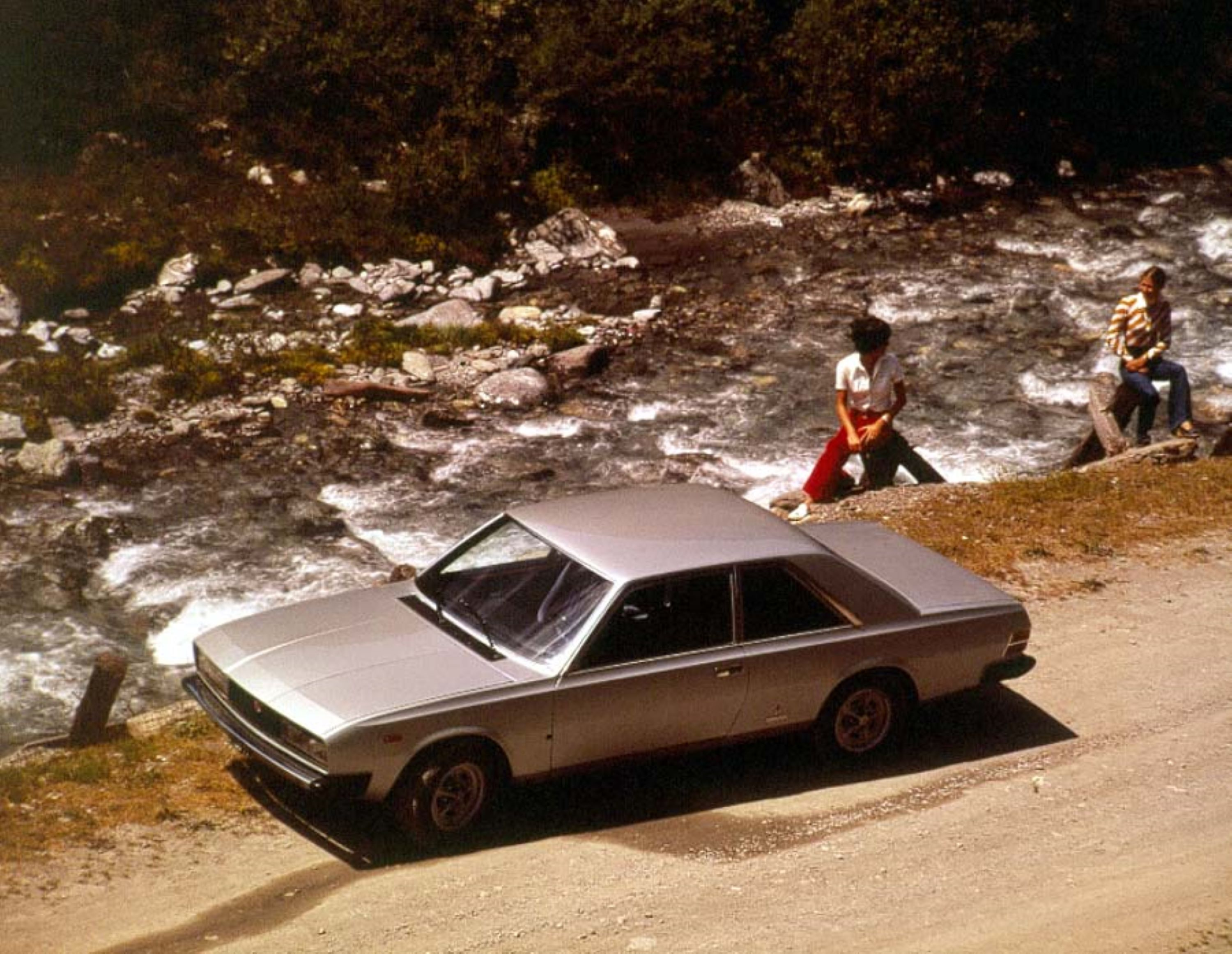 fiat130Coupe