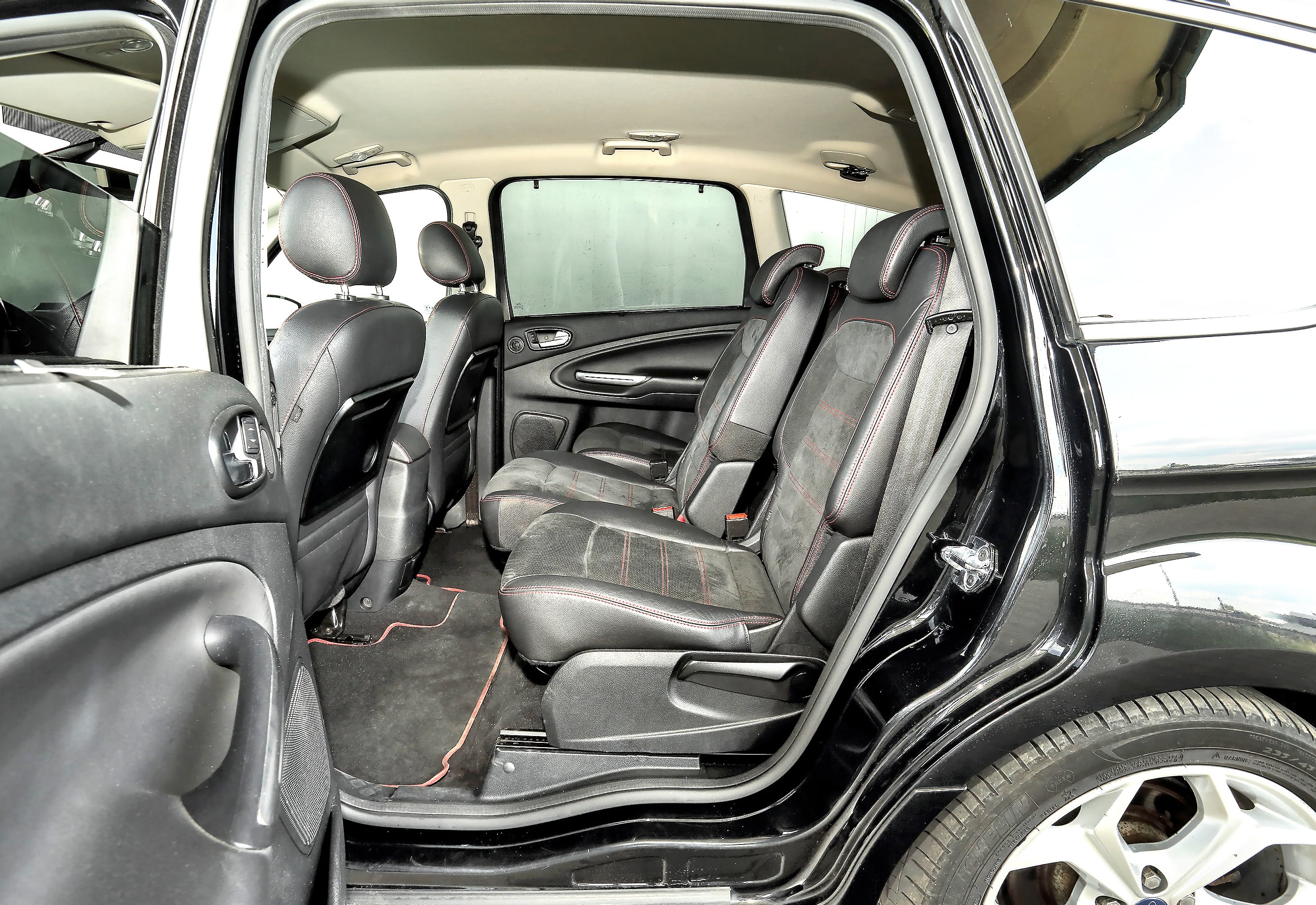 Ford_S-Max_11