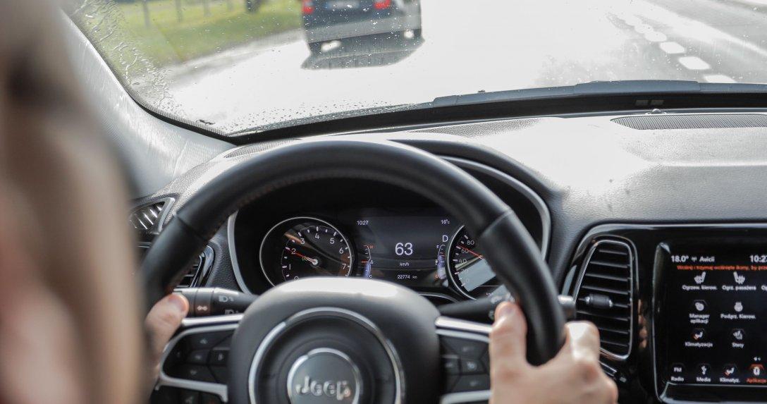 71% Polaków uważa się za dobrych kierowców