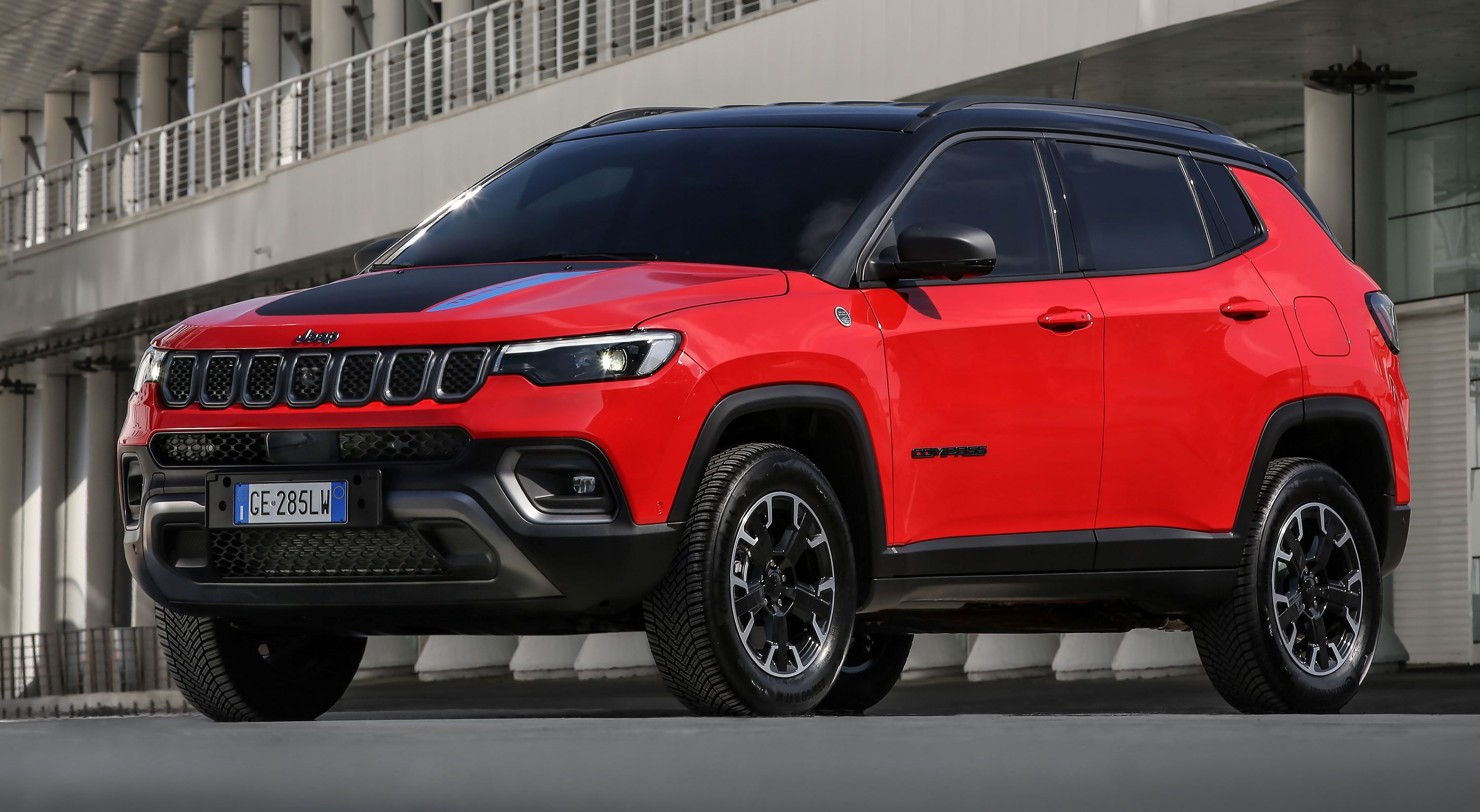 4. New Jeep® Compass Trailhawk 4xe