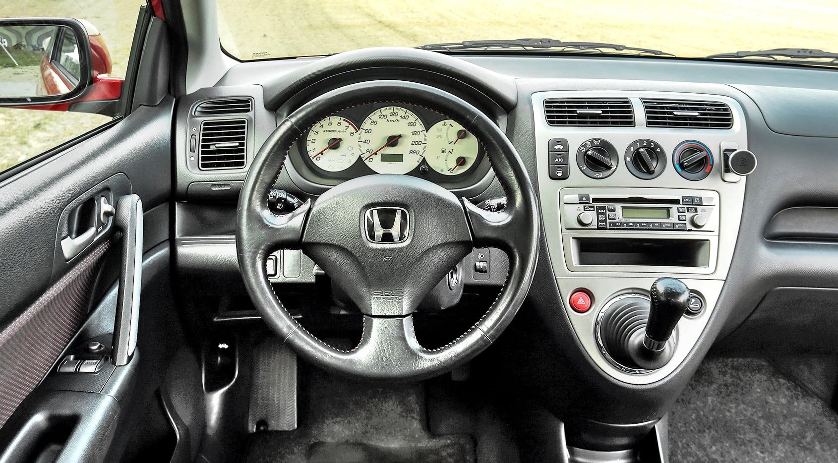 Honda_Civic_VII_1.6_Sport_7
