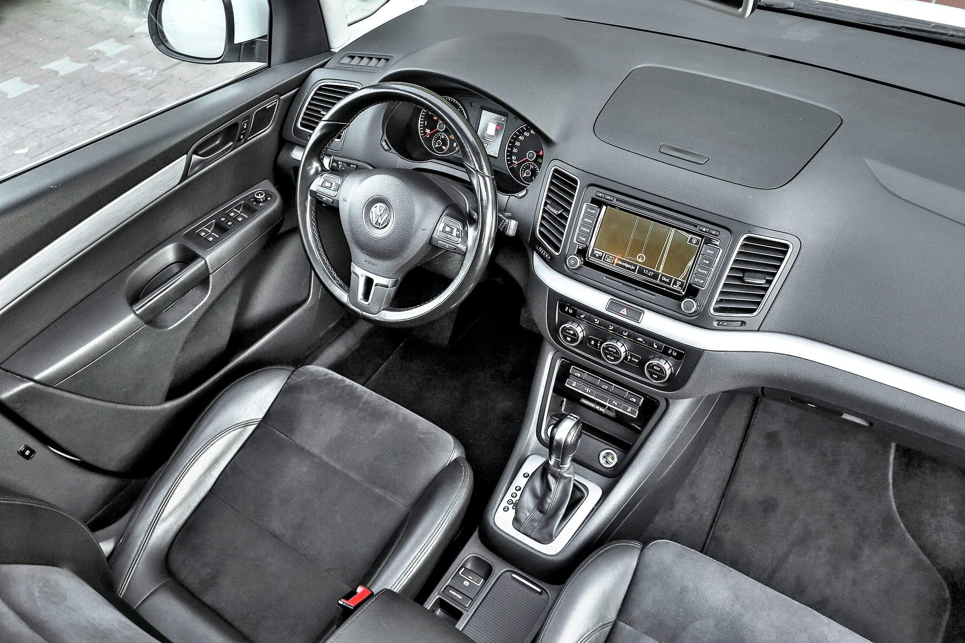 Volkswagen-Sharan-2.0-TSI_16