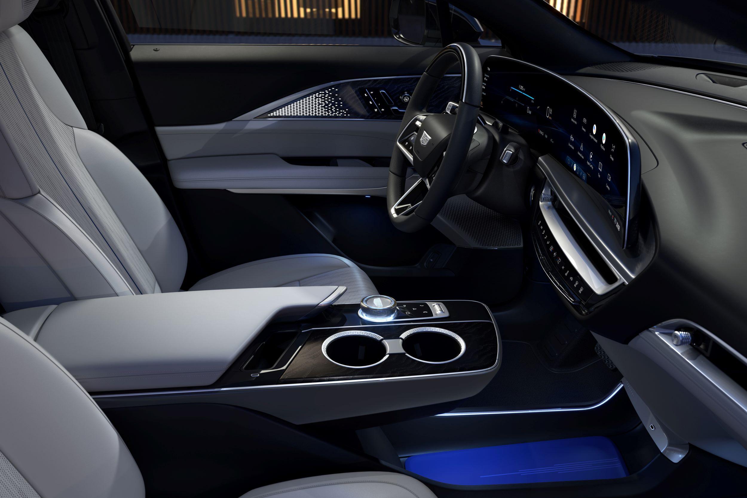 2023-Cadillac-LYRIQ-017