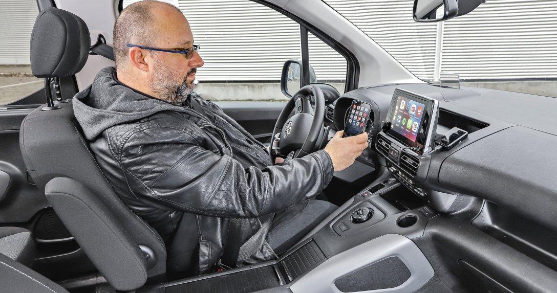 Bezprzewodowy CarPlay – test adaptera