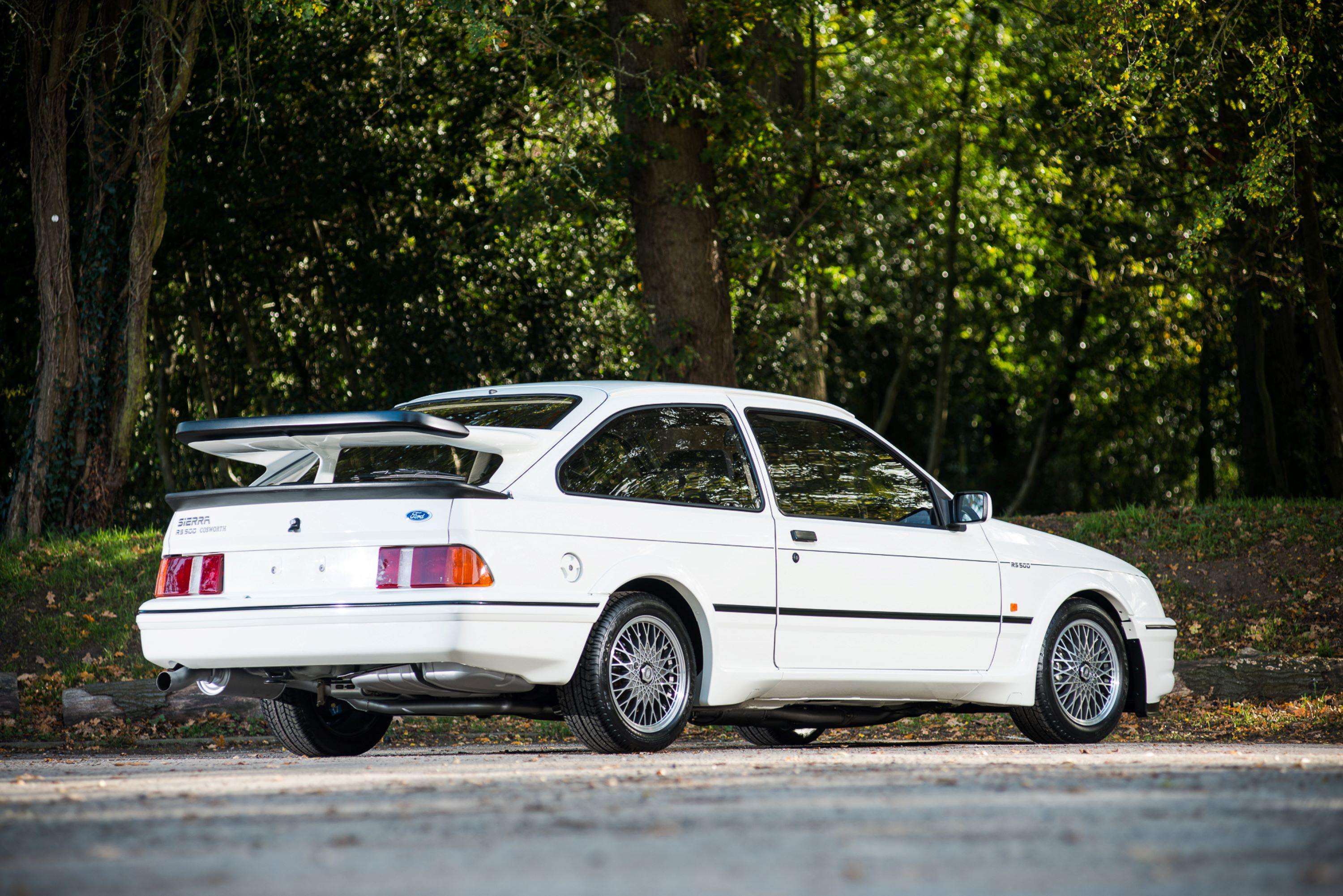 1987FordSierraCosworthRS500_2