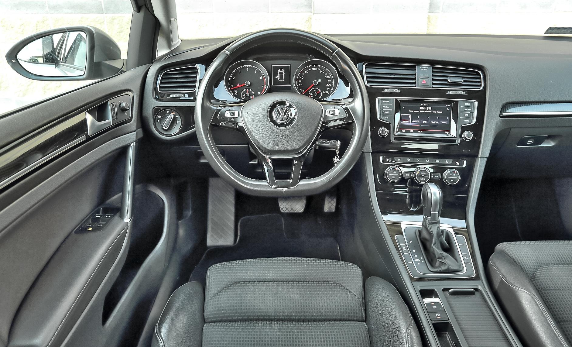 Volkswagen-Golf-VII-1.4-TSI-DSG_6