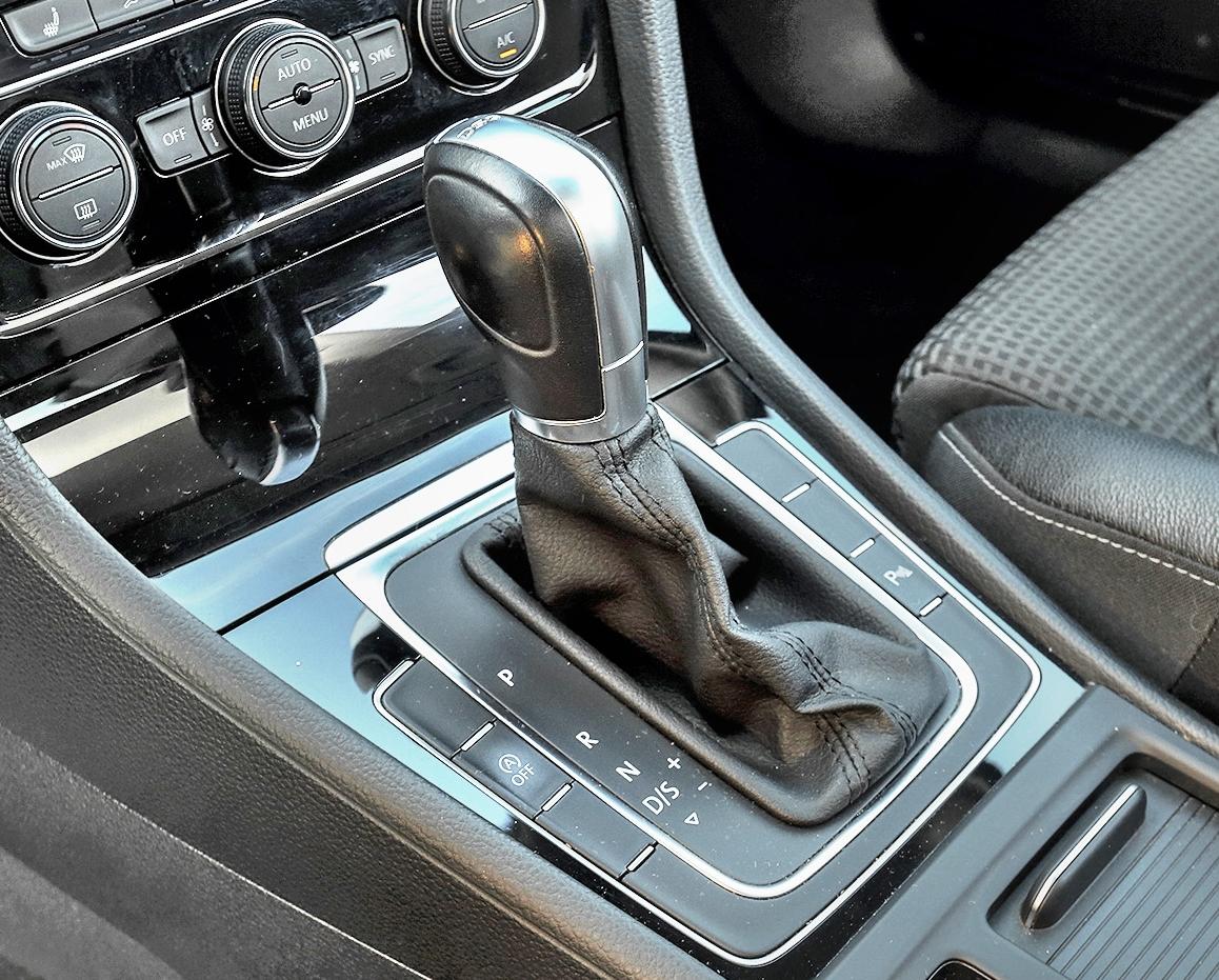 Volkswagen-Golf-VII-1.4-TSI-DSG_10