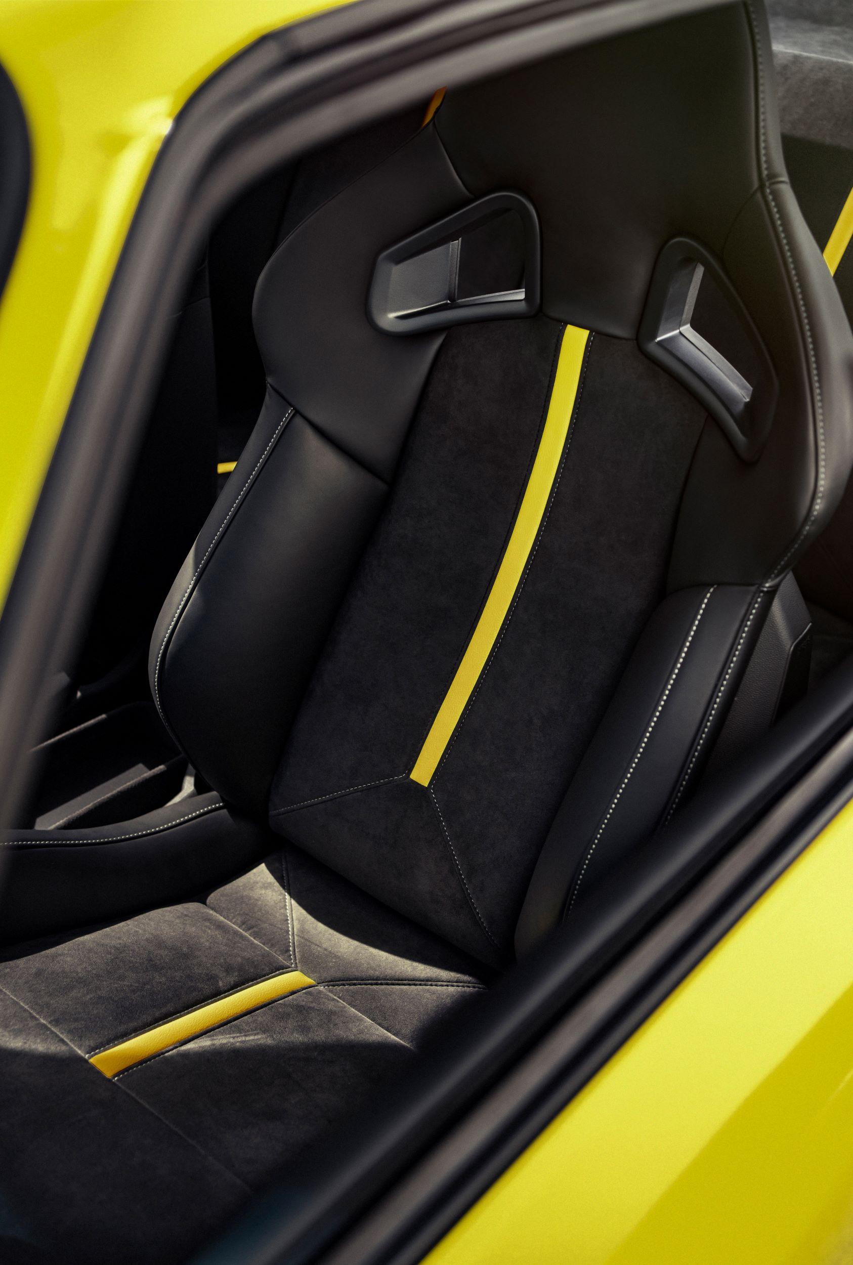 Opel Manta GTe siedzenia