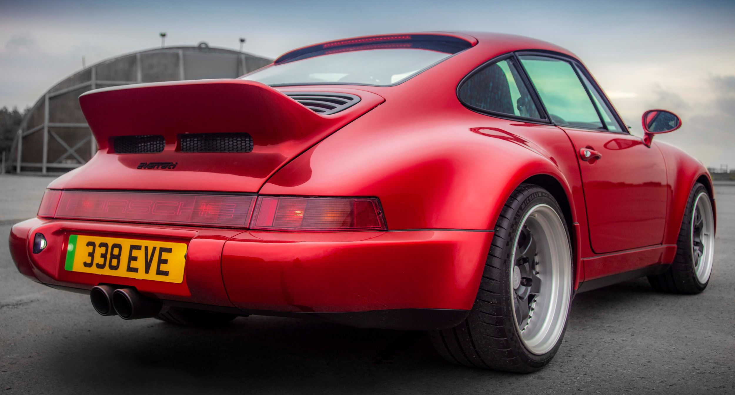 Porsche 911 Everrati tył
