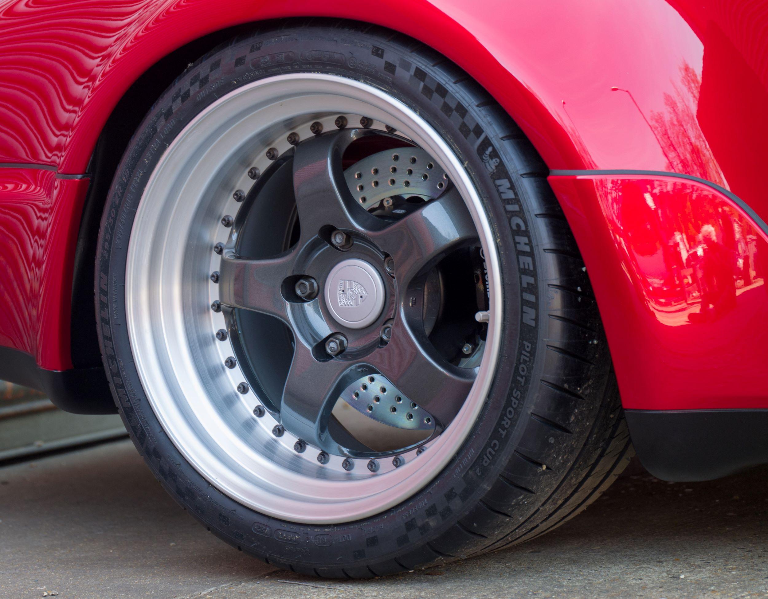 Porsche 911 Everrati koło