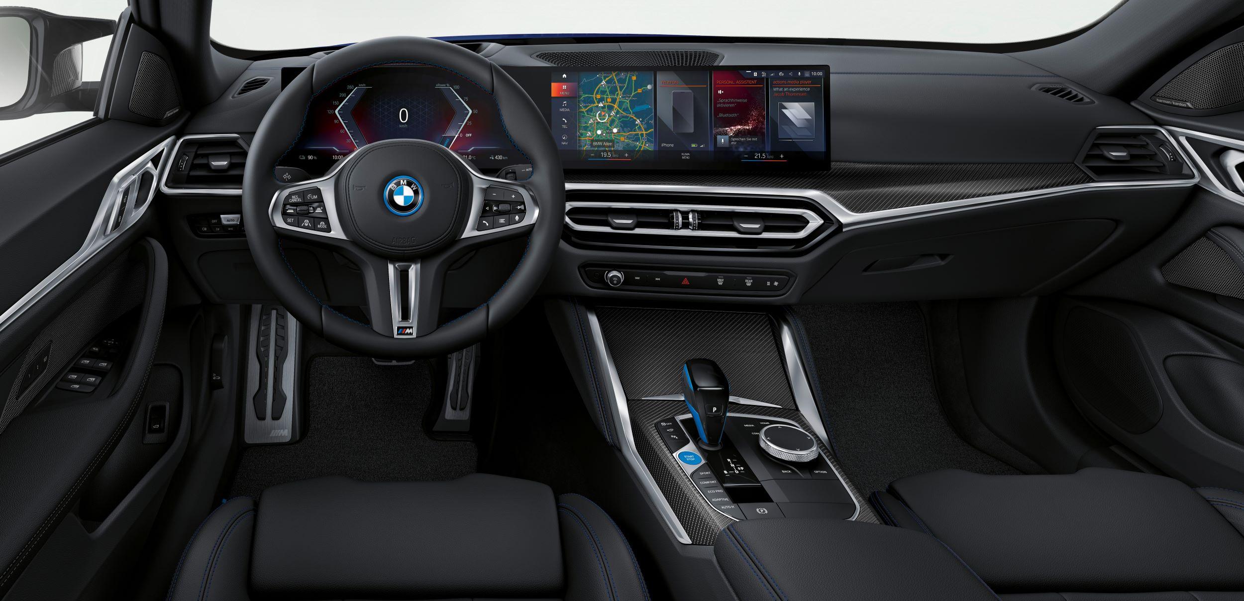 BMW i4 deska