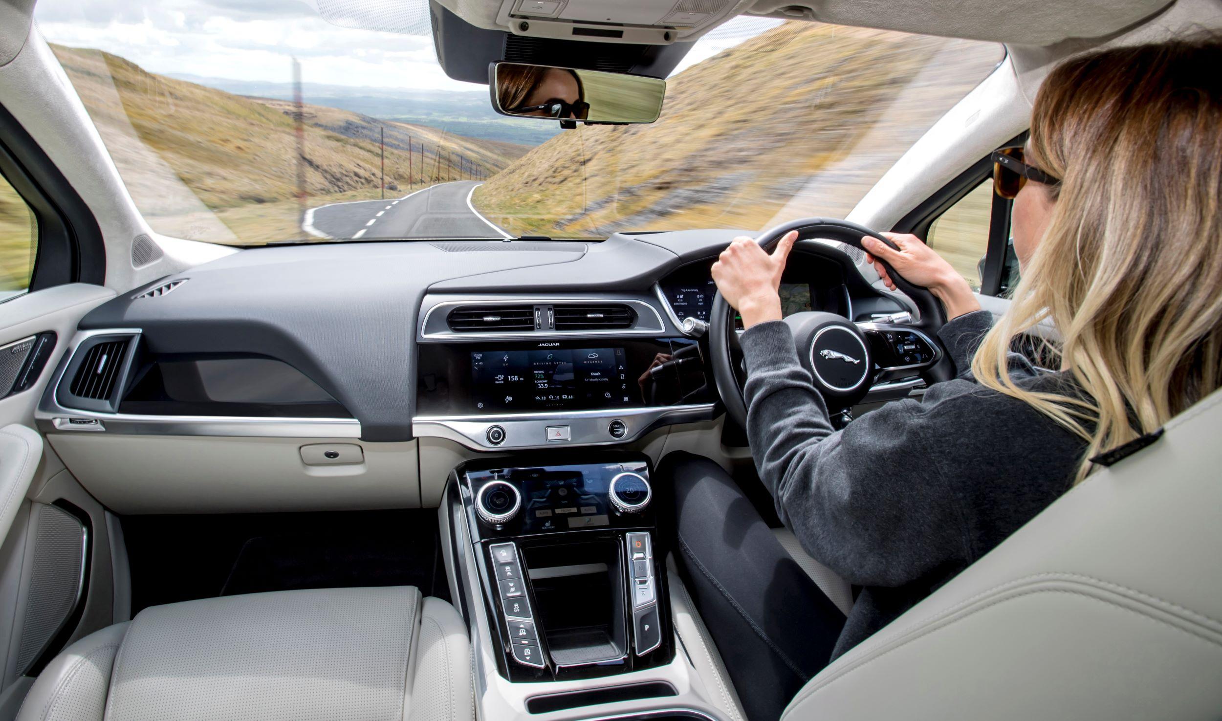 Jaguar I-Pace wnętrze