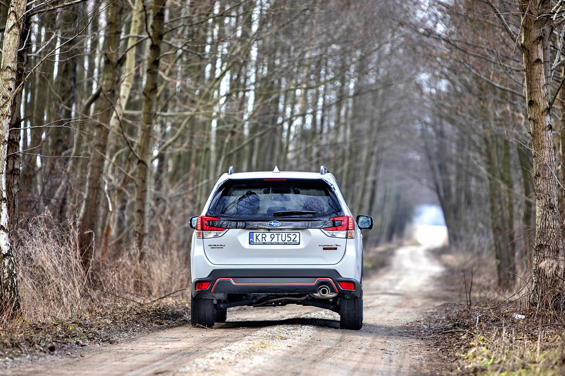 2021 Subaru Forester 2.0i-L e-Boxer - tył