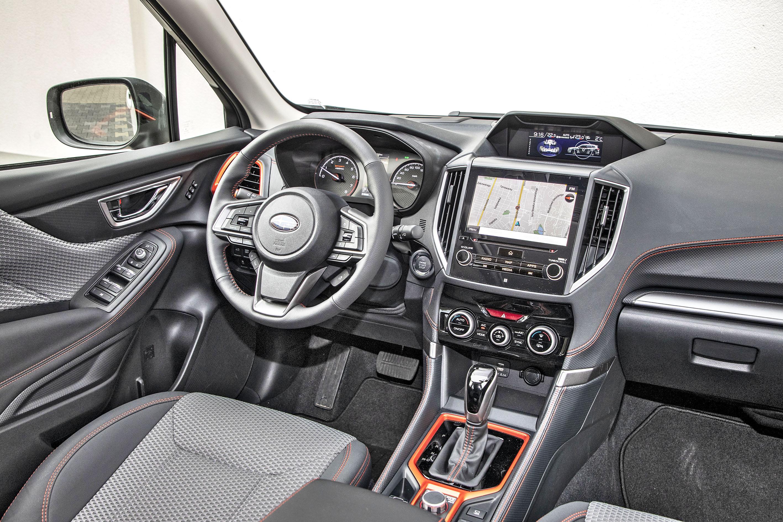 2021 Subaru Forester 2.0 i-L e-Boxer - kabina