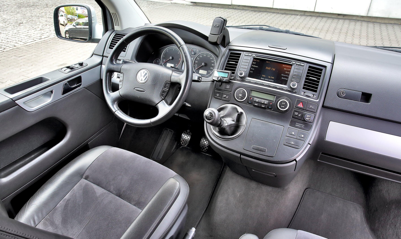 Volkswagen Multivan T5 deska rozdzielcza