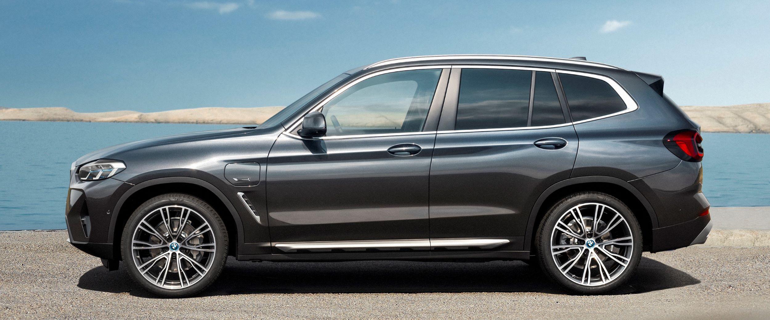 BMW X3 bok