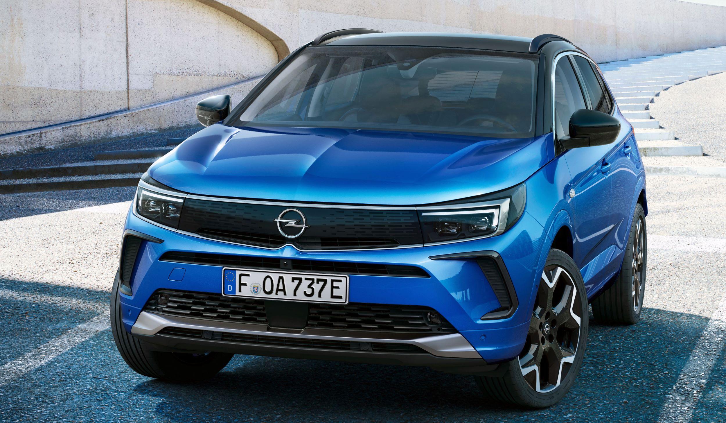 Opel Grandland przód