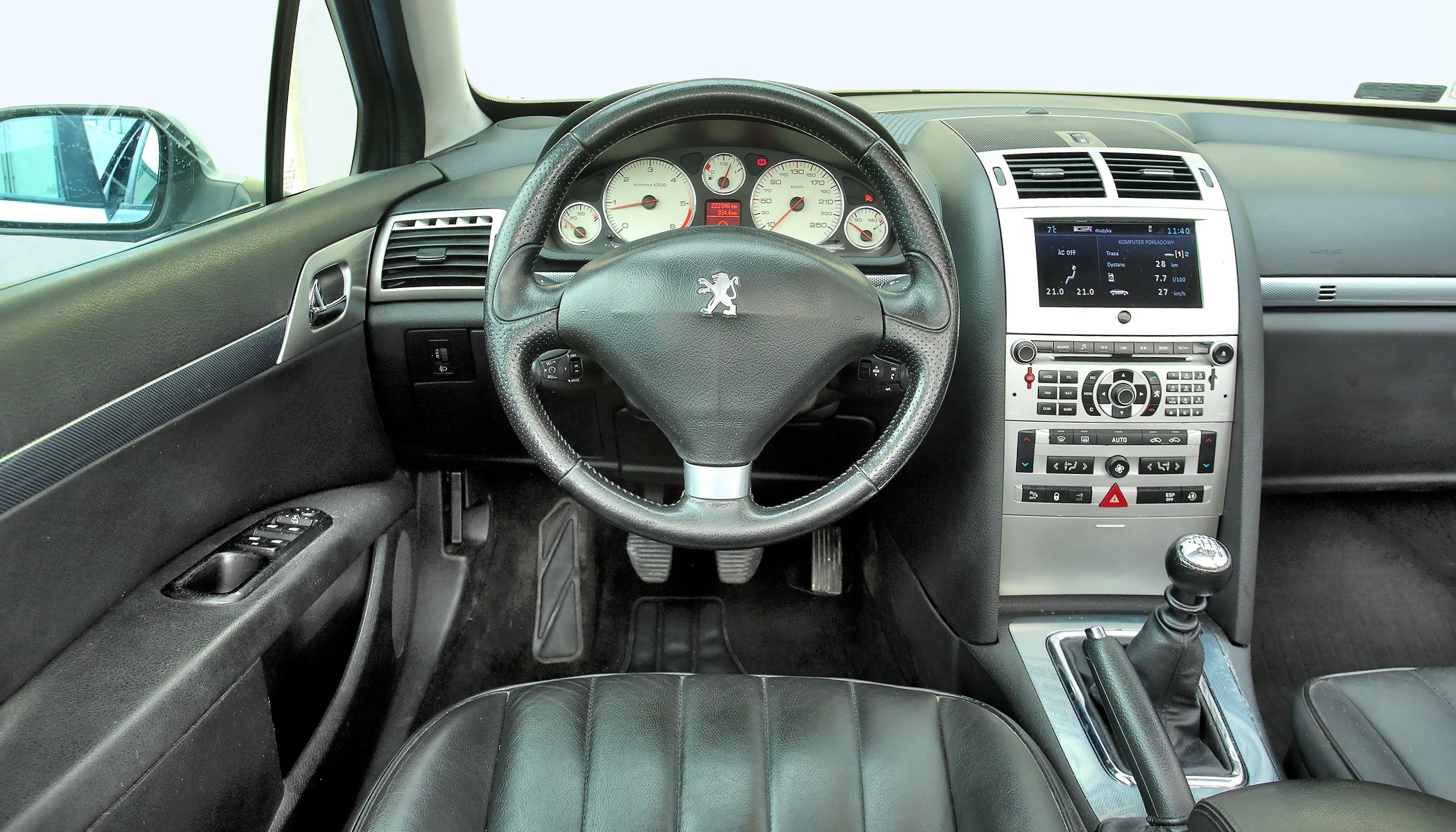Peugeot 407 SW deska rozdzielcza