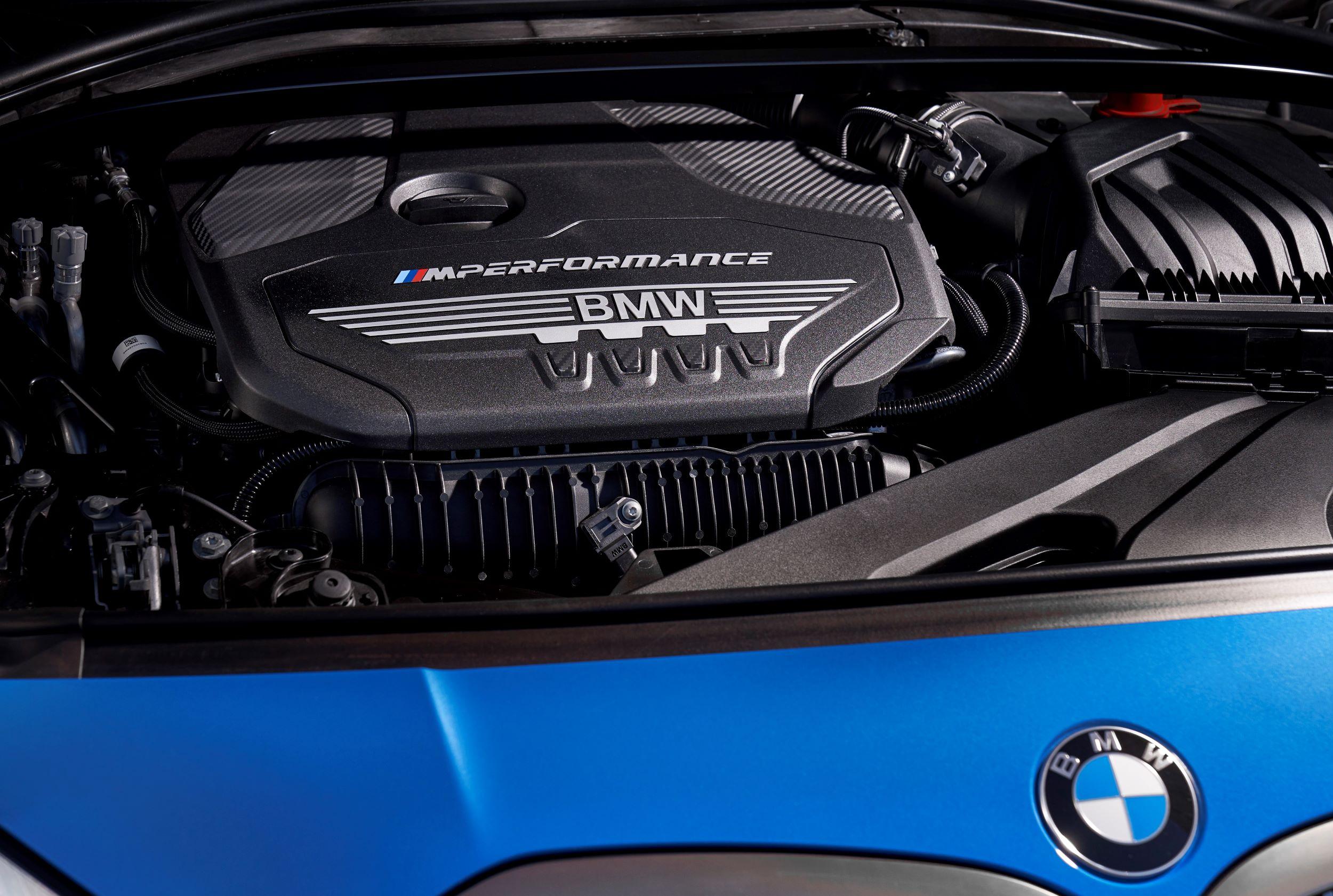 BMW M135i silnik