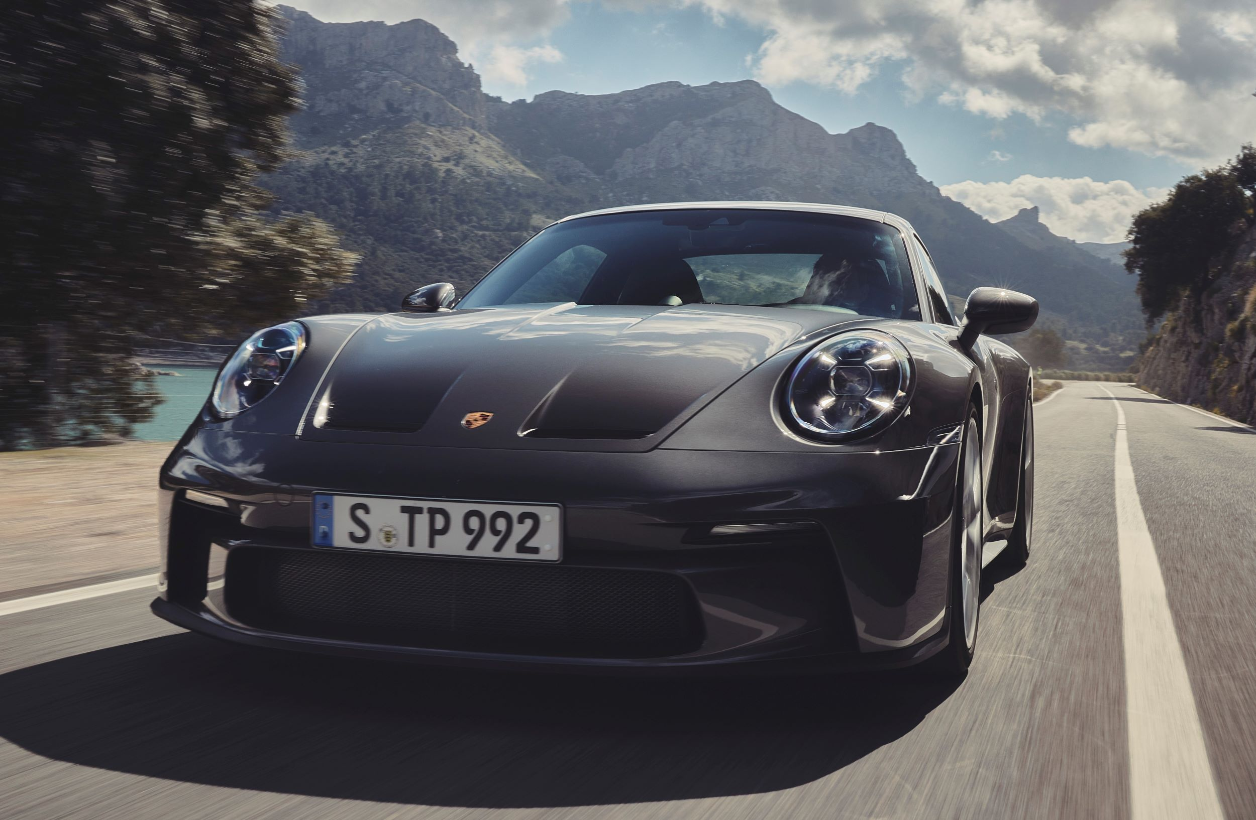 Porsche 911 GT3 Touring pzród