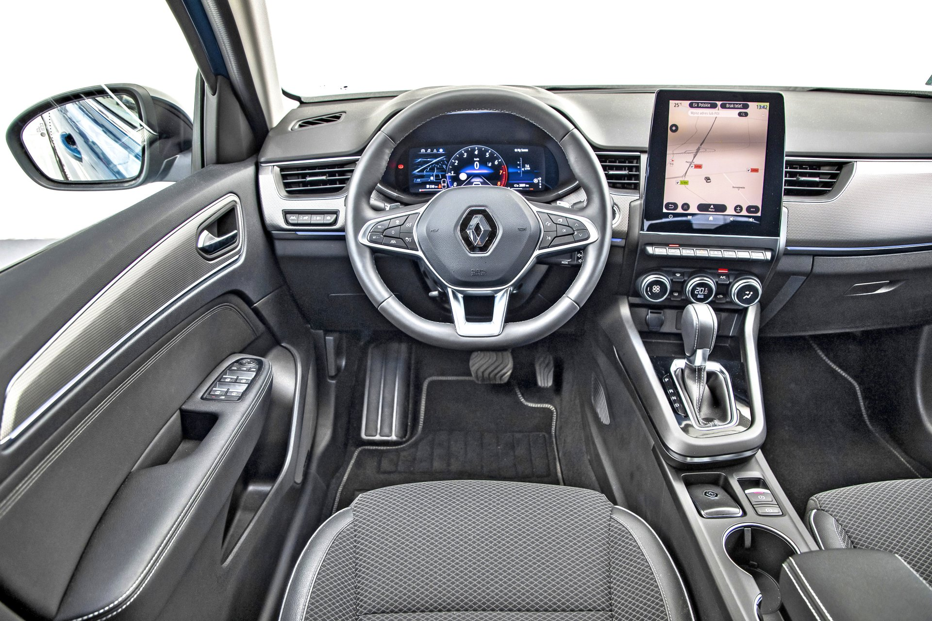 Renault Arkana TCe 140 EDC - kokpit