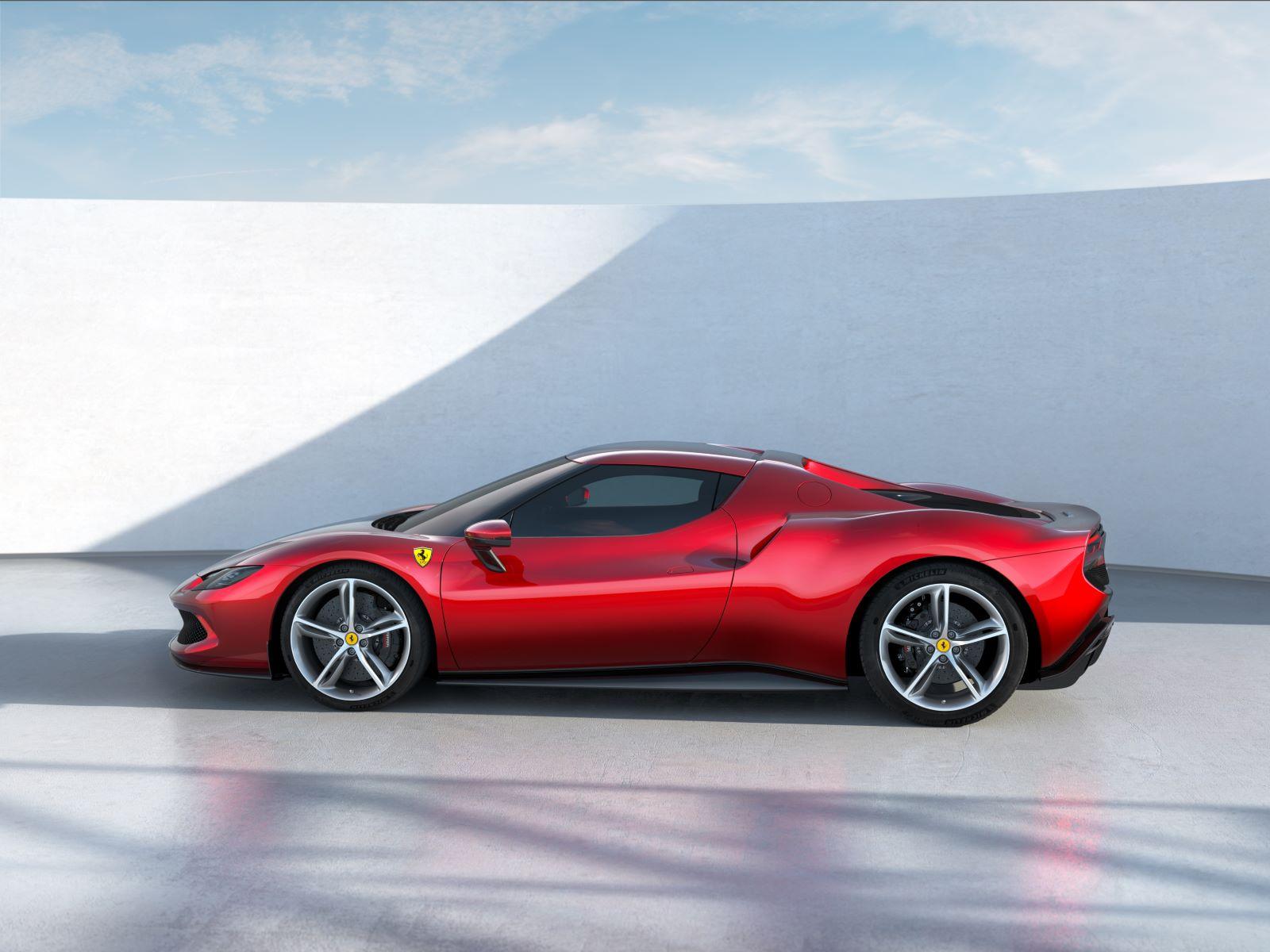 Ferrari 296 GTB – bok