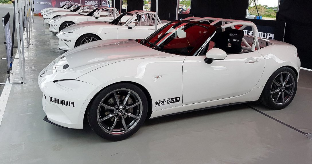 Przygotowana do wyścigów Mazda MX-5