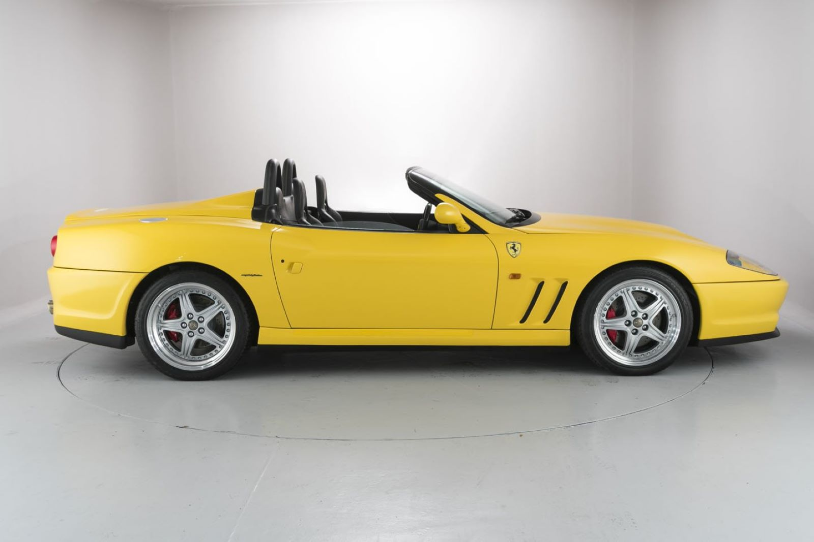 Ferrari 550 Barchetta Pininfarina - bok, profil
