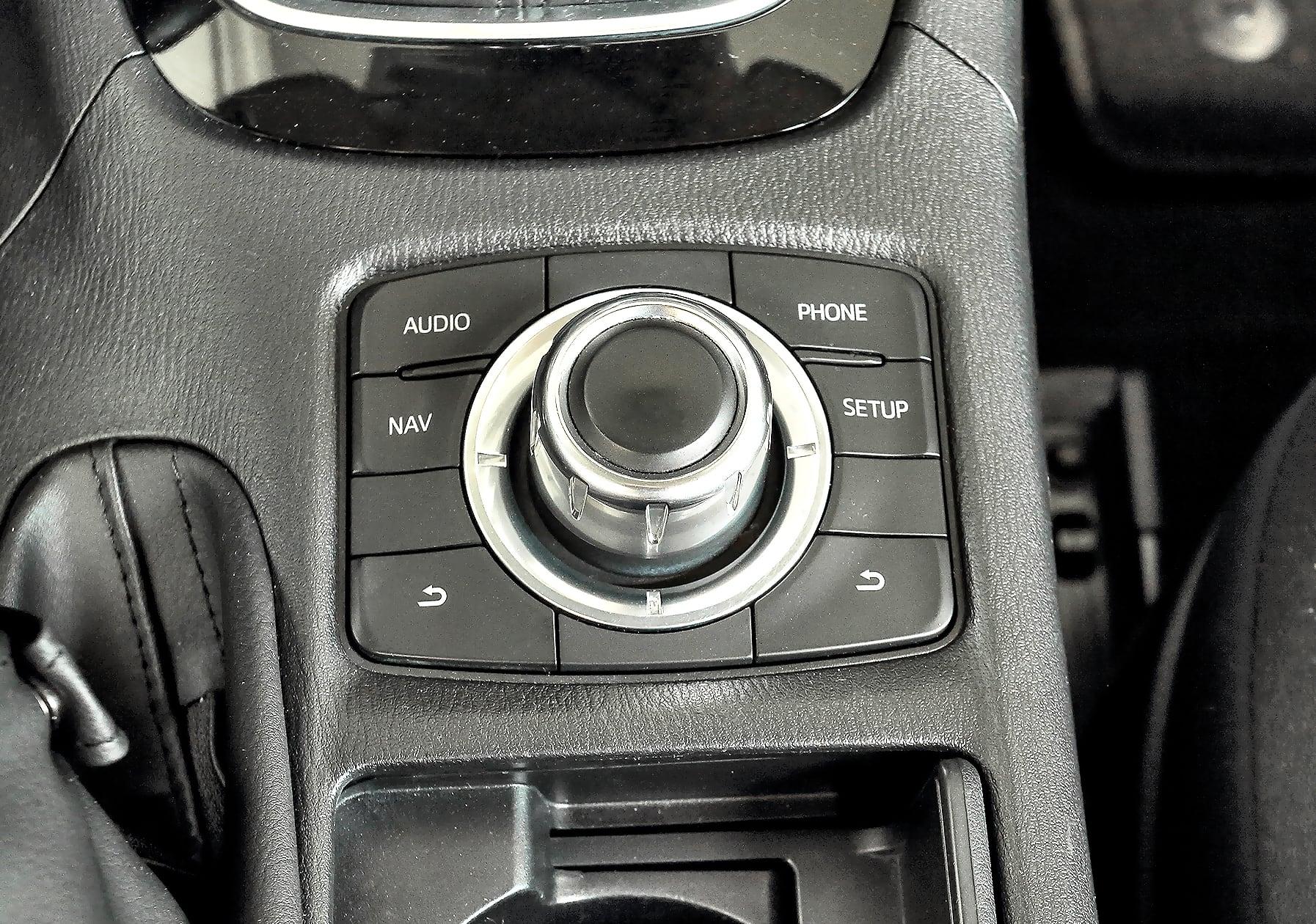Mazda 6 III 2.2 SkyActiv-D – sterowanie multimediami