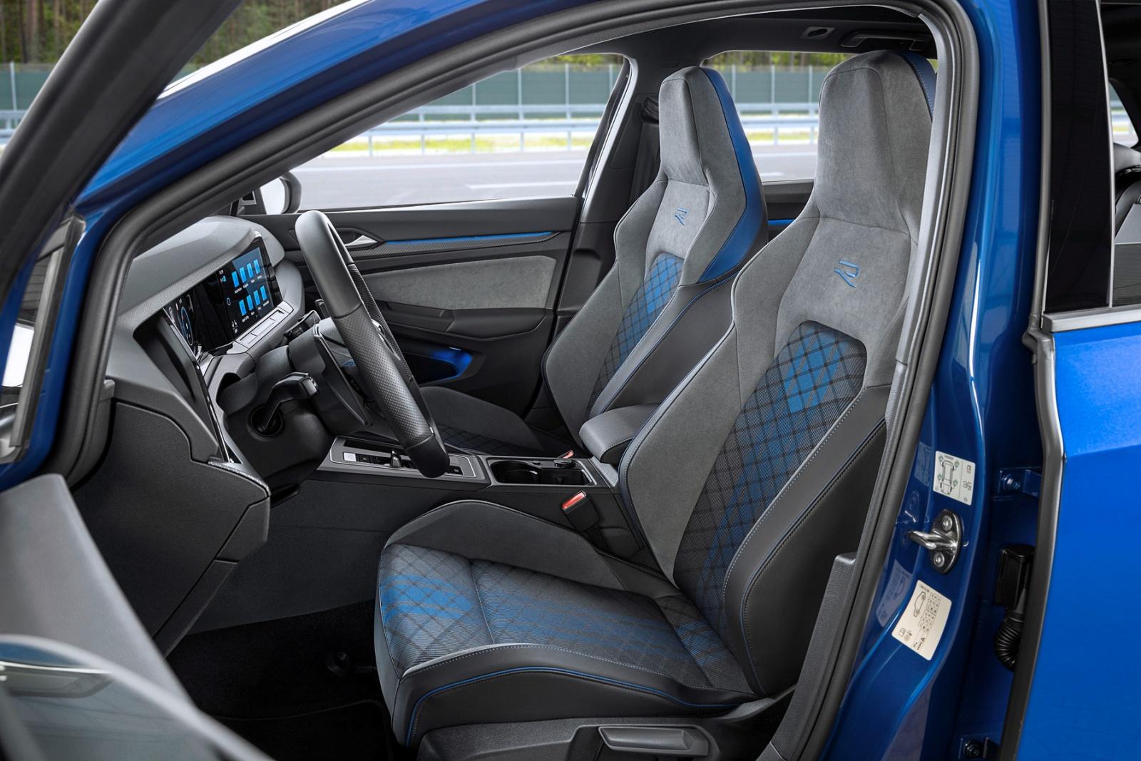 VW Golf R Variant - wnętrze, fotele
