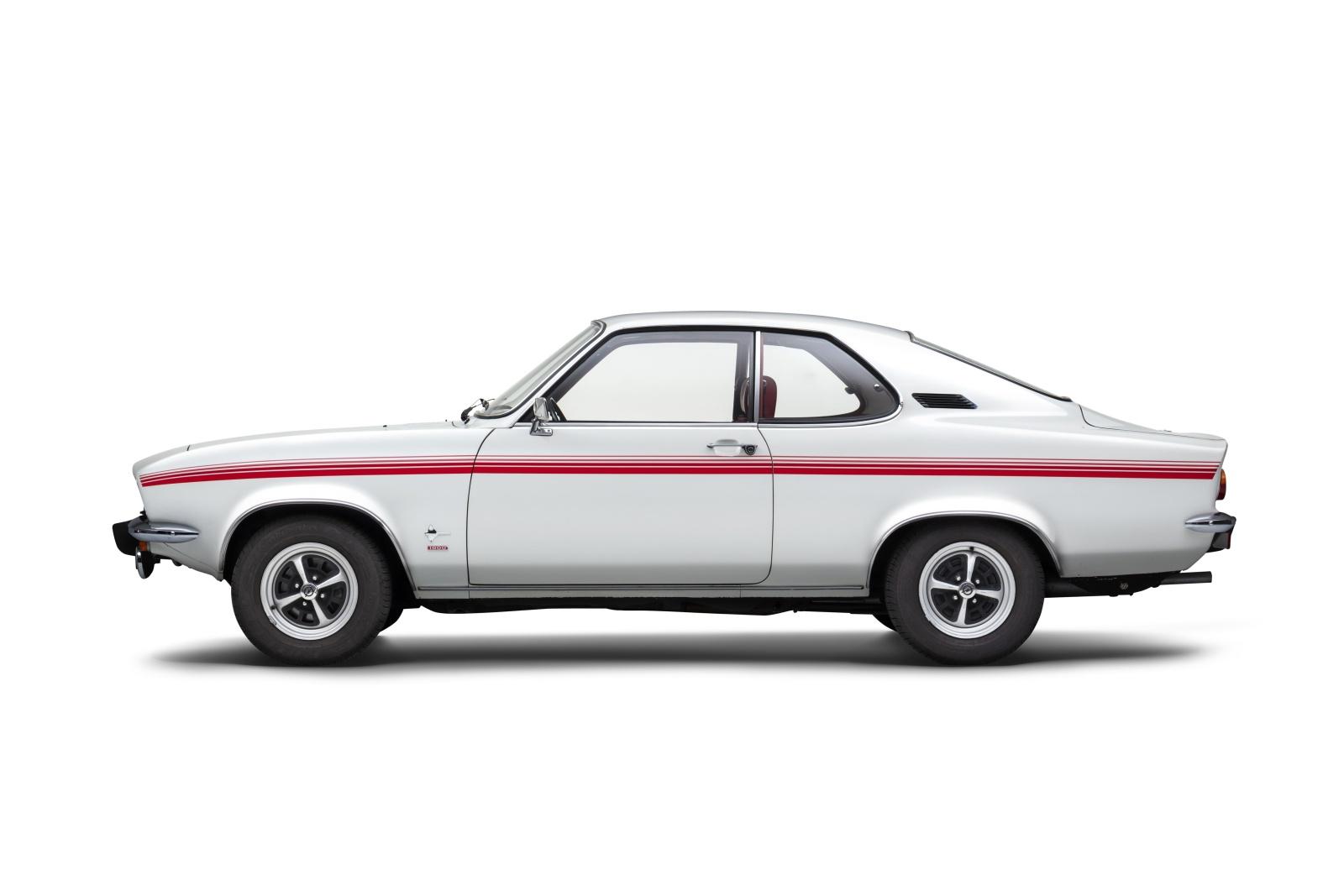 Opel Manta pierwsza generacja - bok, profil