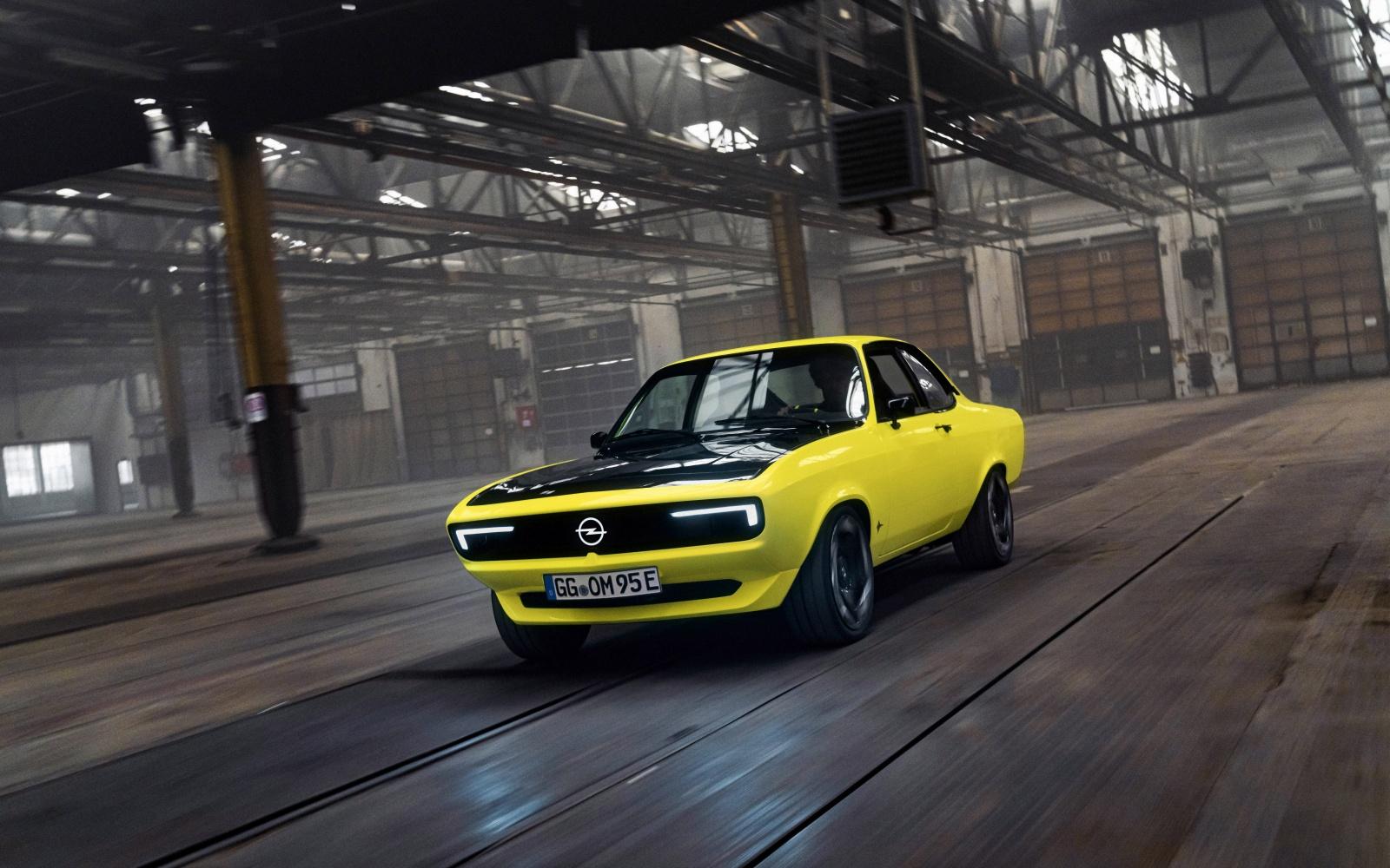 Opel Manta GSe ElektroMOD - przód