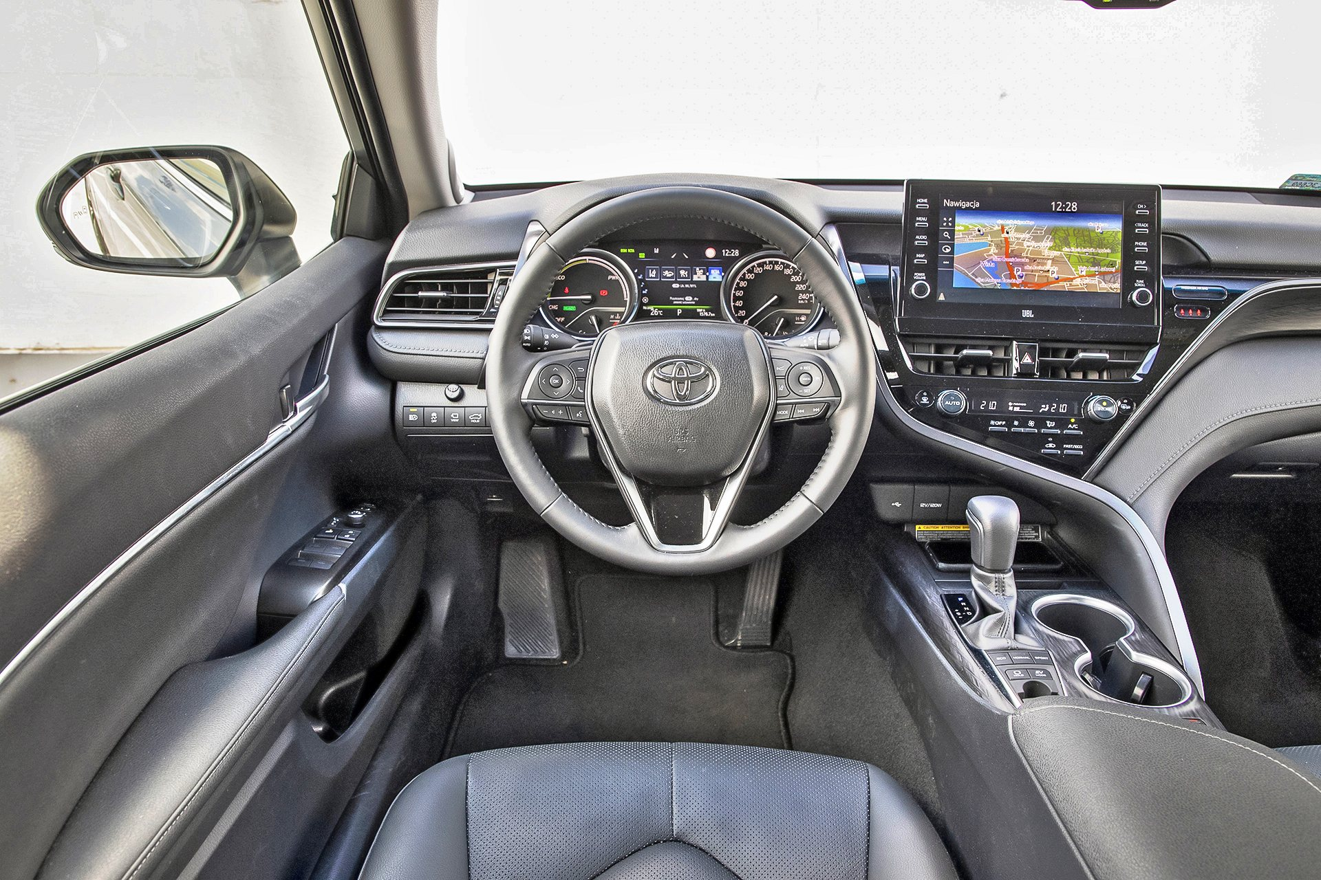 2021 Toyota Camry 2.5 Hybrid - deska rozdzielcza