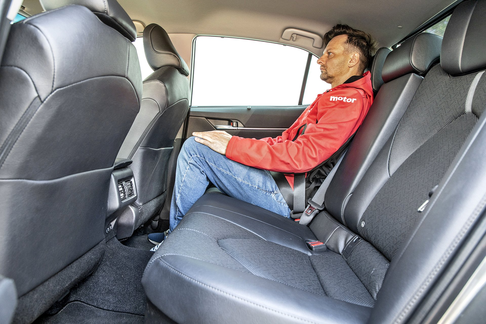 2021 Toyota Camry 2.5 Hybrid - kanapa