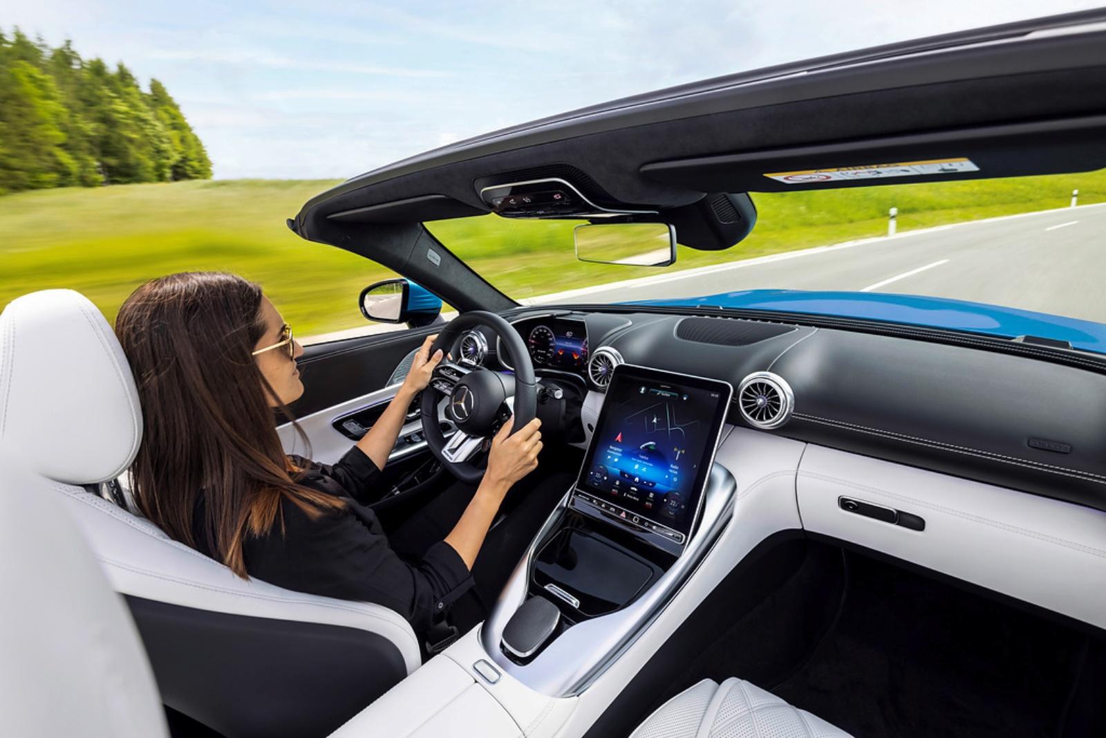 Mercedes-AMG SL - wnętrze, deska rozdzielcza