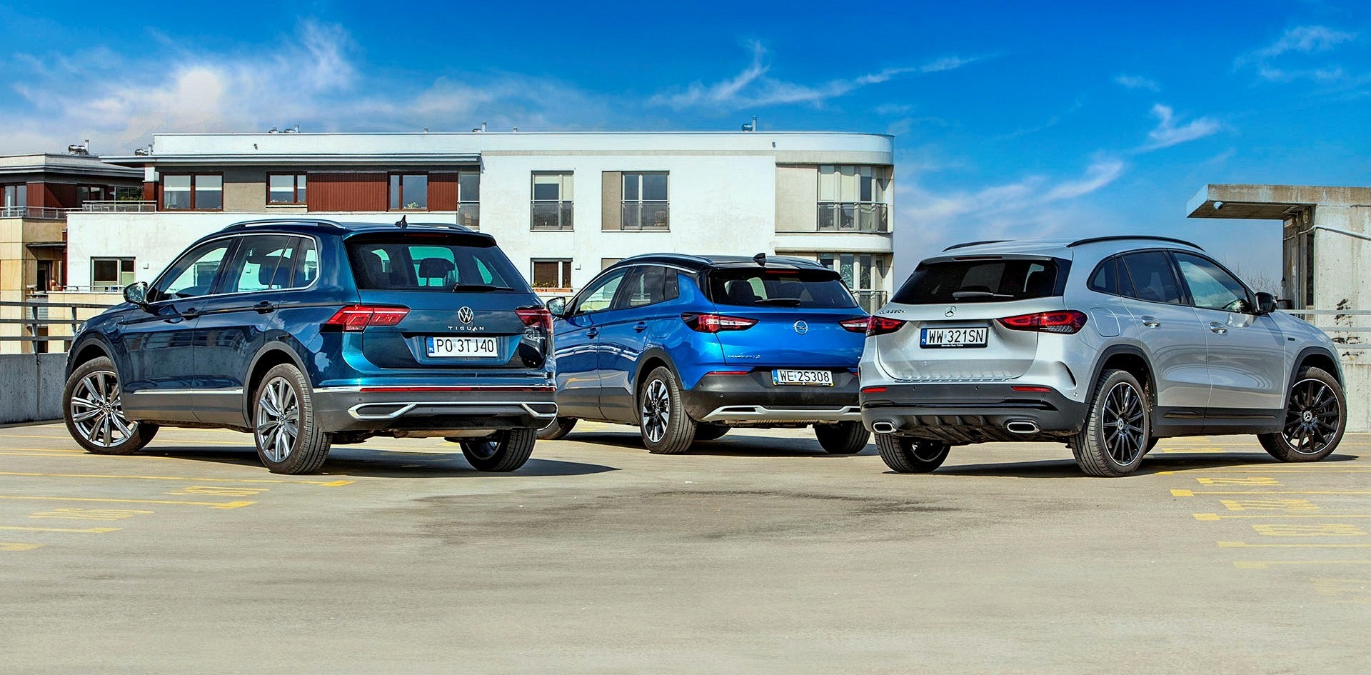 Mercedes GLA 250 e, Opel Grandland X 1.6 t Hybrid, VW Tiguan eHybrid - tyły