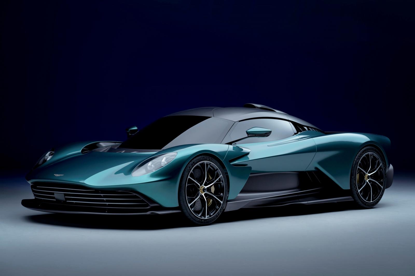 Aston Martin Valhalla - przód