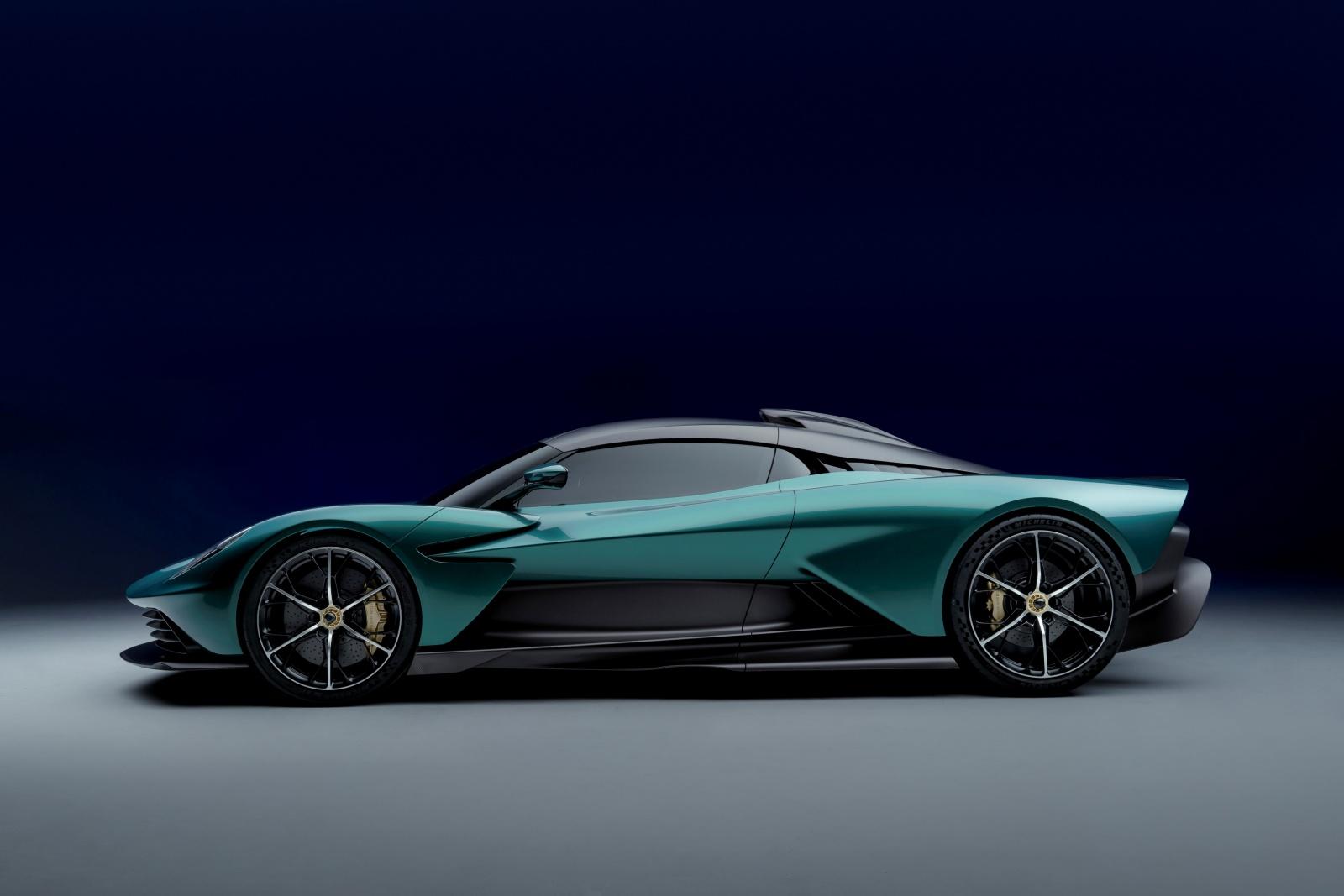 Aston Martin Valhalla - bok, profil