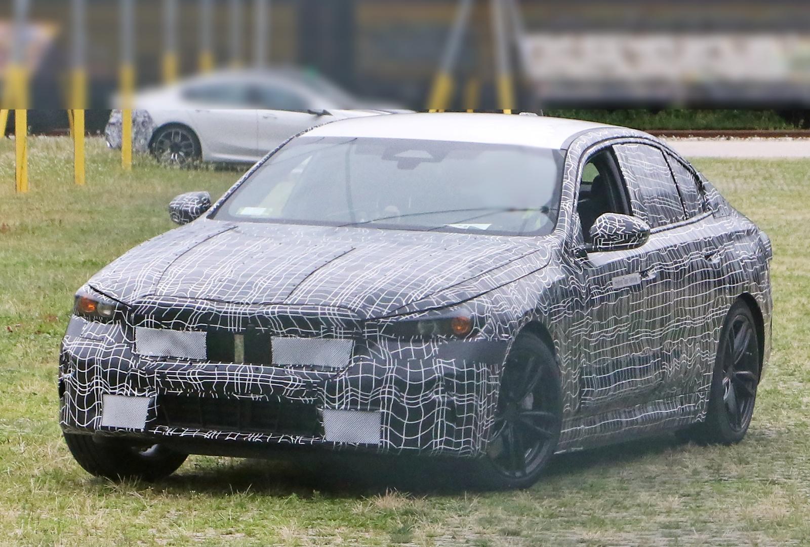 BMW serii 5 - przód