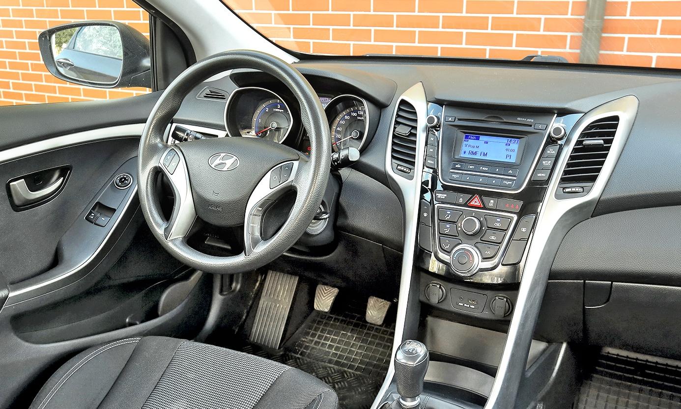 Hyundai i30 II 1.4 CRDi deska rozdzielcza