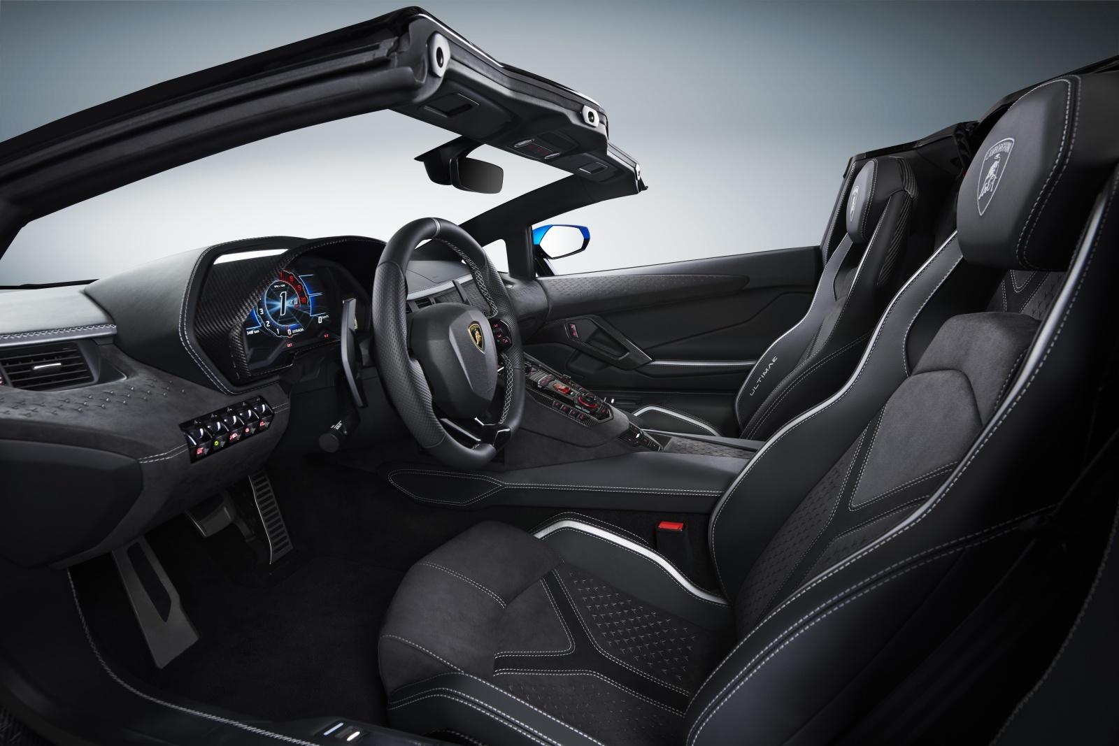 Lamborghini Aventador LP 780-4 Ultimae roadster - wnętrze, deska rozdzielcza