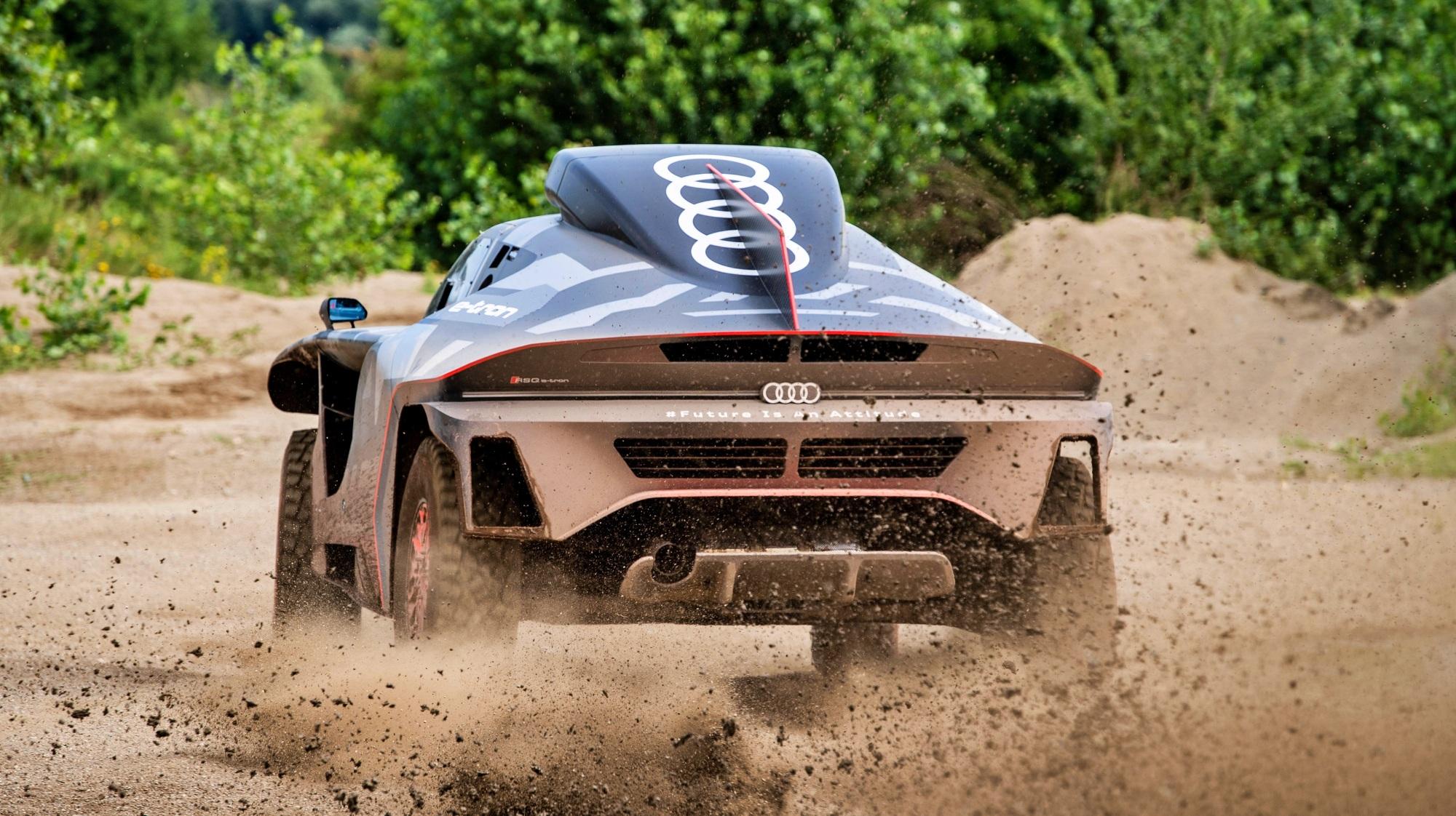 Audi RS Q e-tron tył