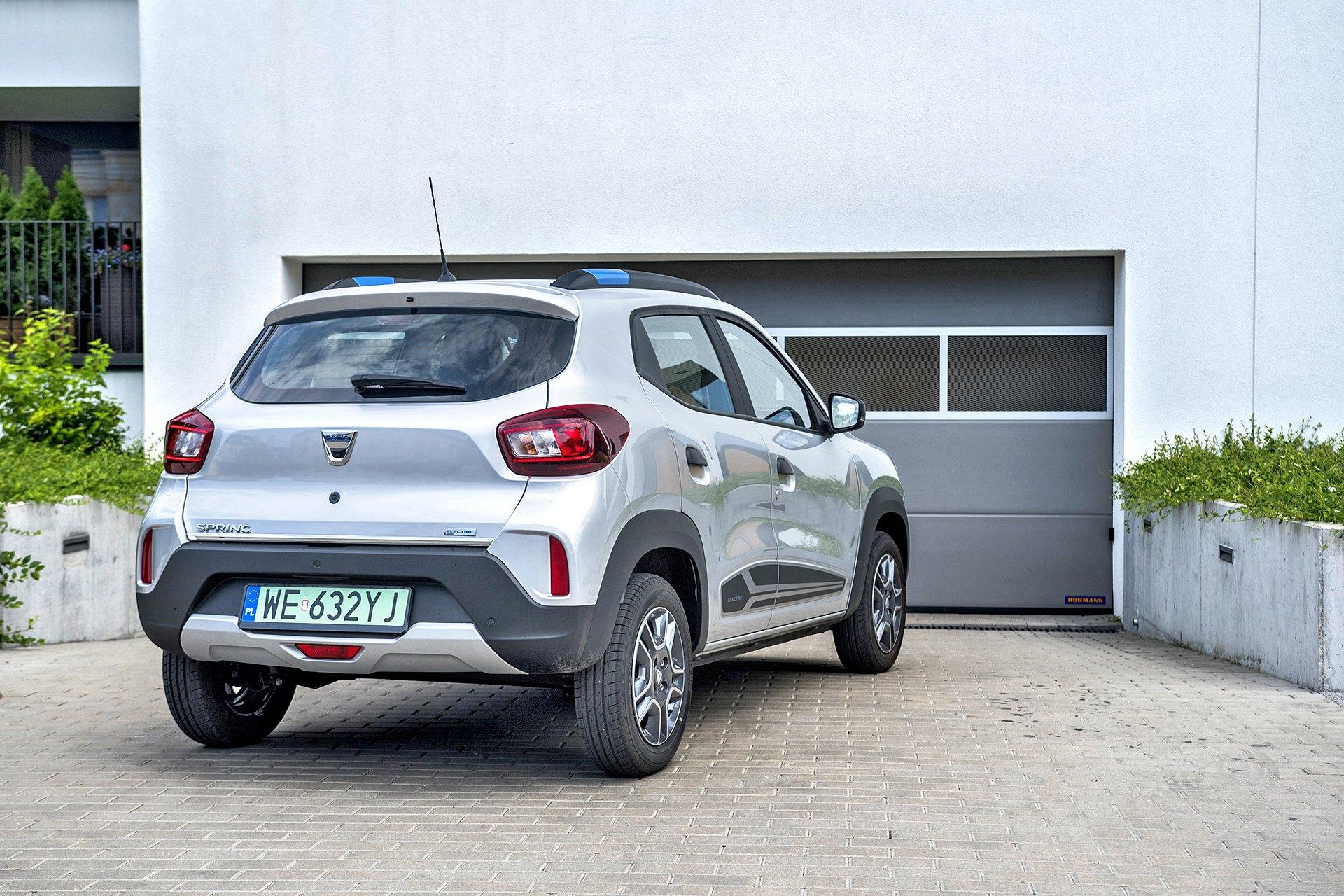 Dacia Spring - tył