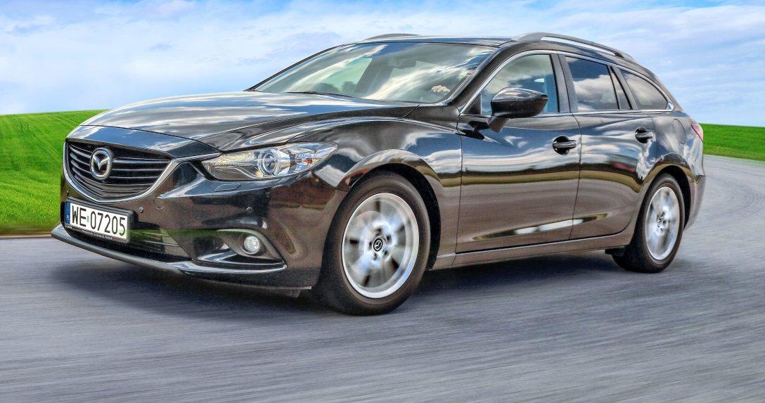 Jadąca Mazda 6 III 2.2 SkyActiv-D – przód i bok