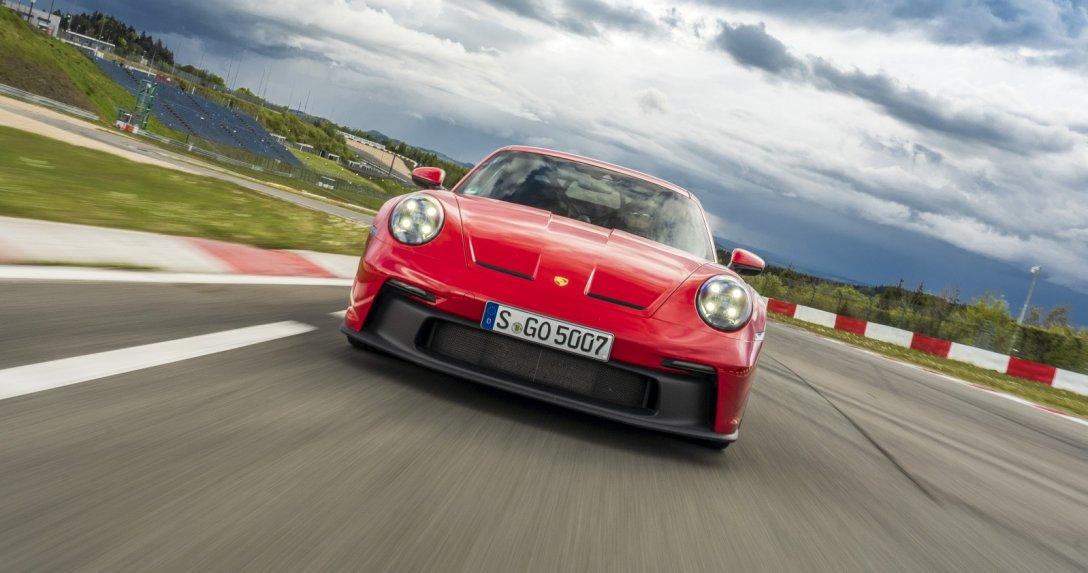 Porsche 911 GT3 na torze, przód