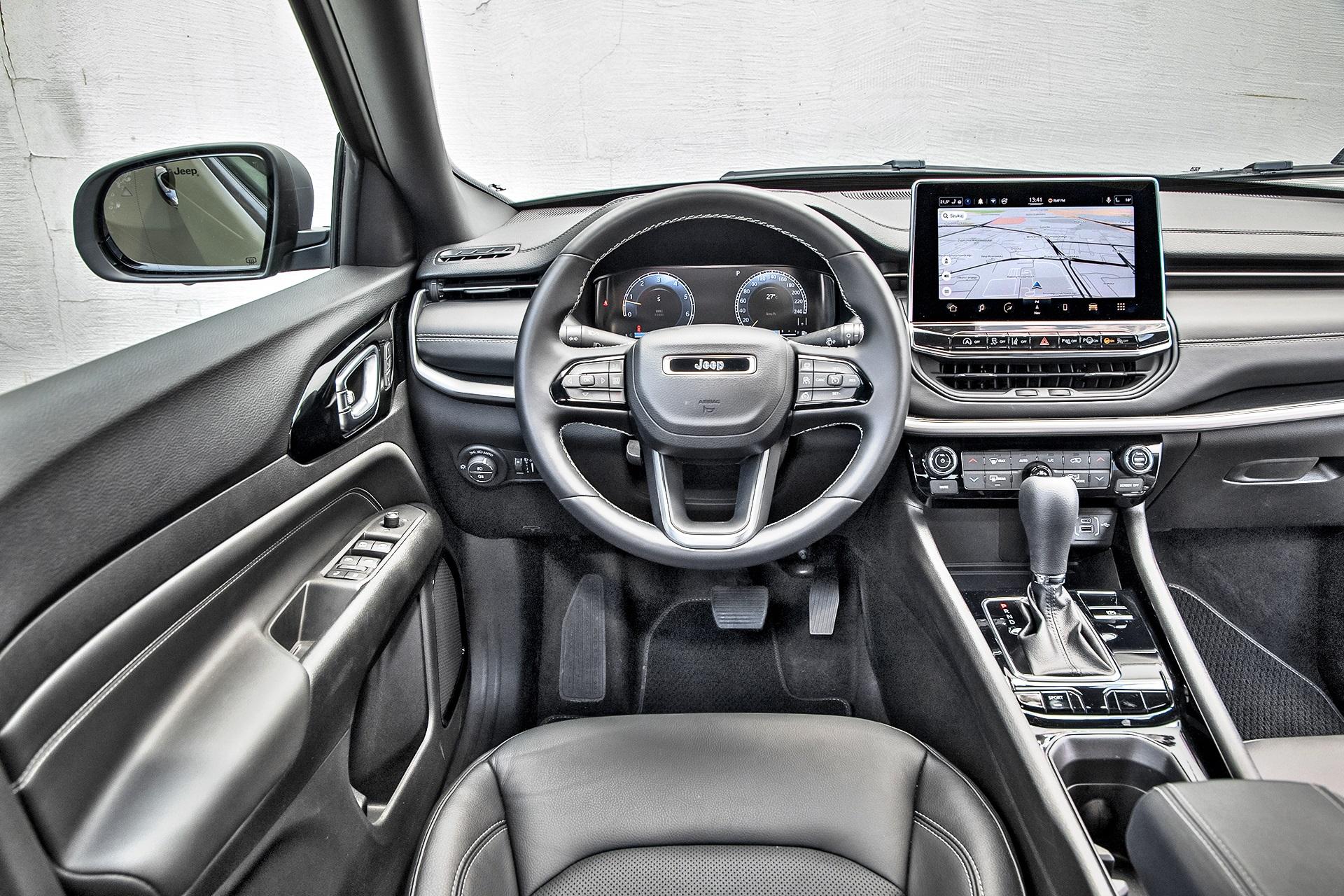 2021 Jeep Compass 1.3 GSE Turbo - kokpit