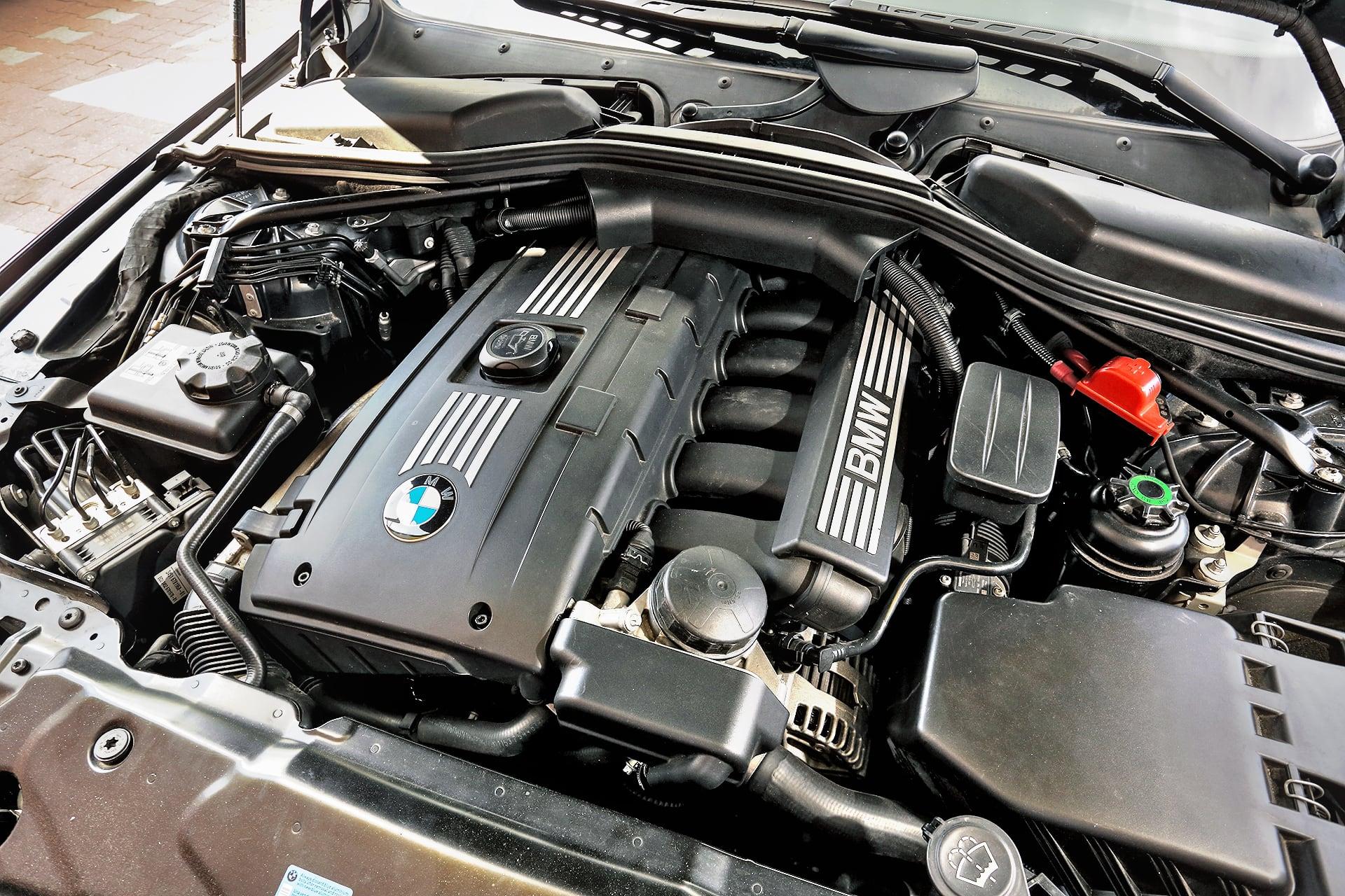 BMW 530i Touring E61 silnik