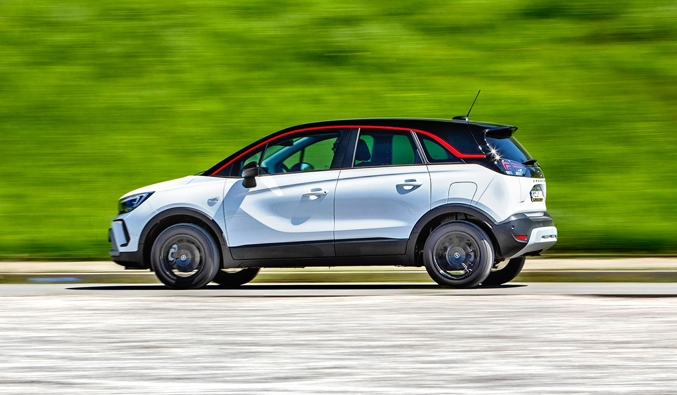 Opel Crossland 1.2 Turbo 130 A6 - bok