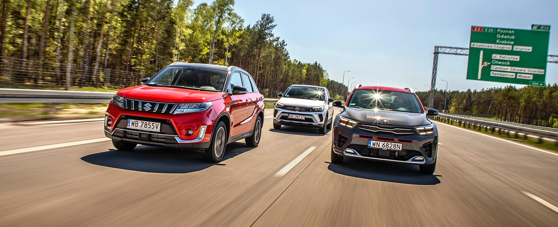 Suzuki Vitara, Opel Crossland, Kia Stonic wtrasie przody